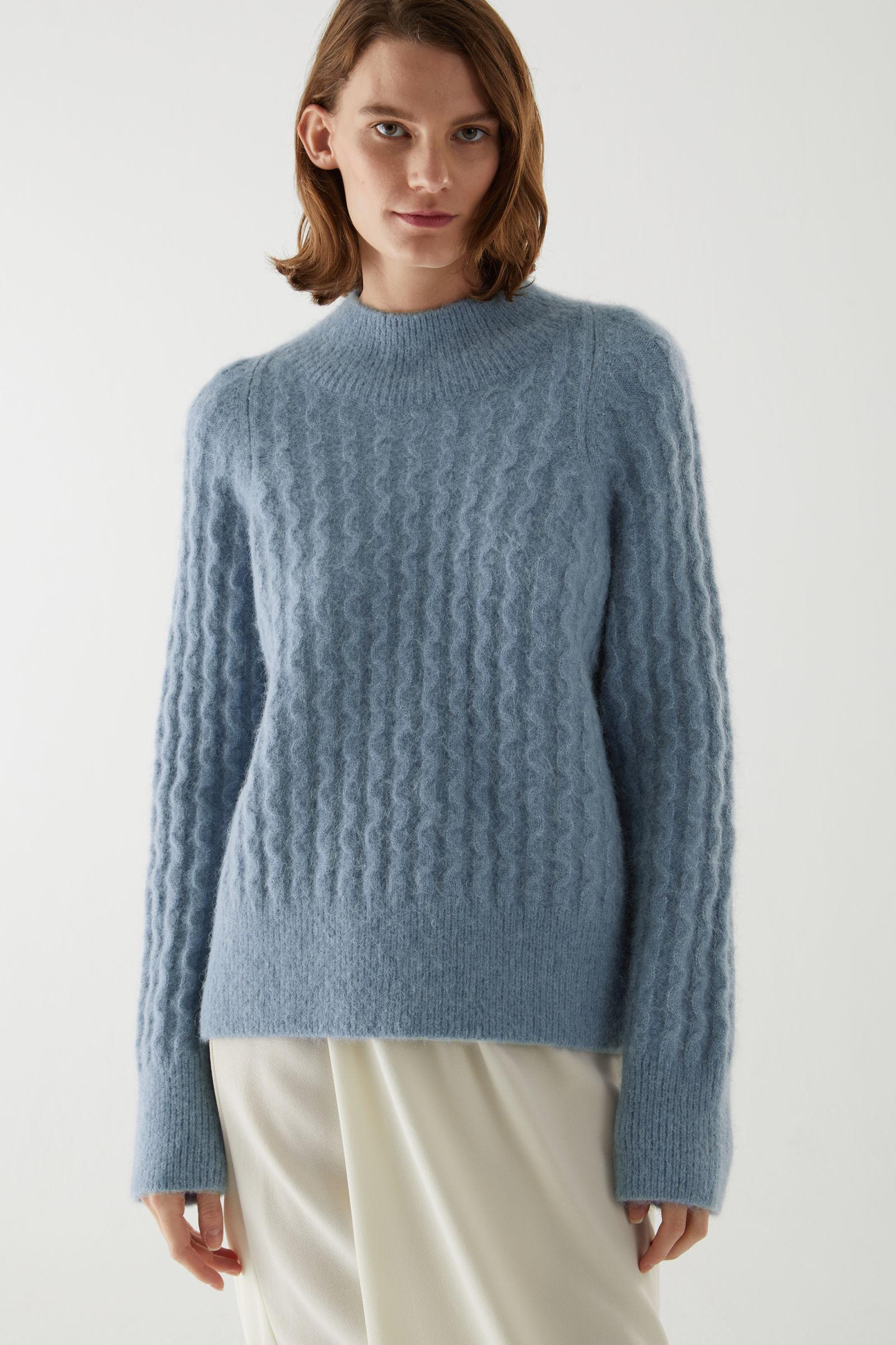 ALPACA-WOOL CABLE KNIT SWEATER