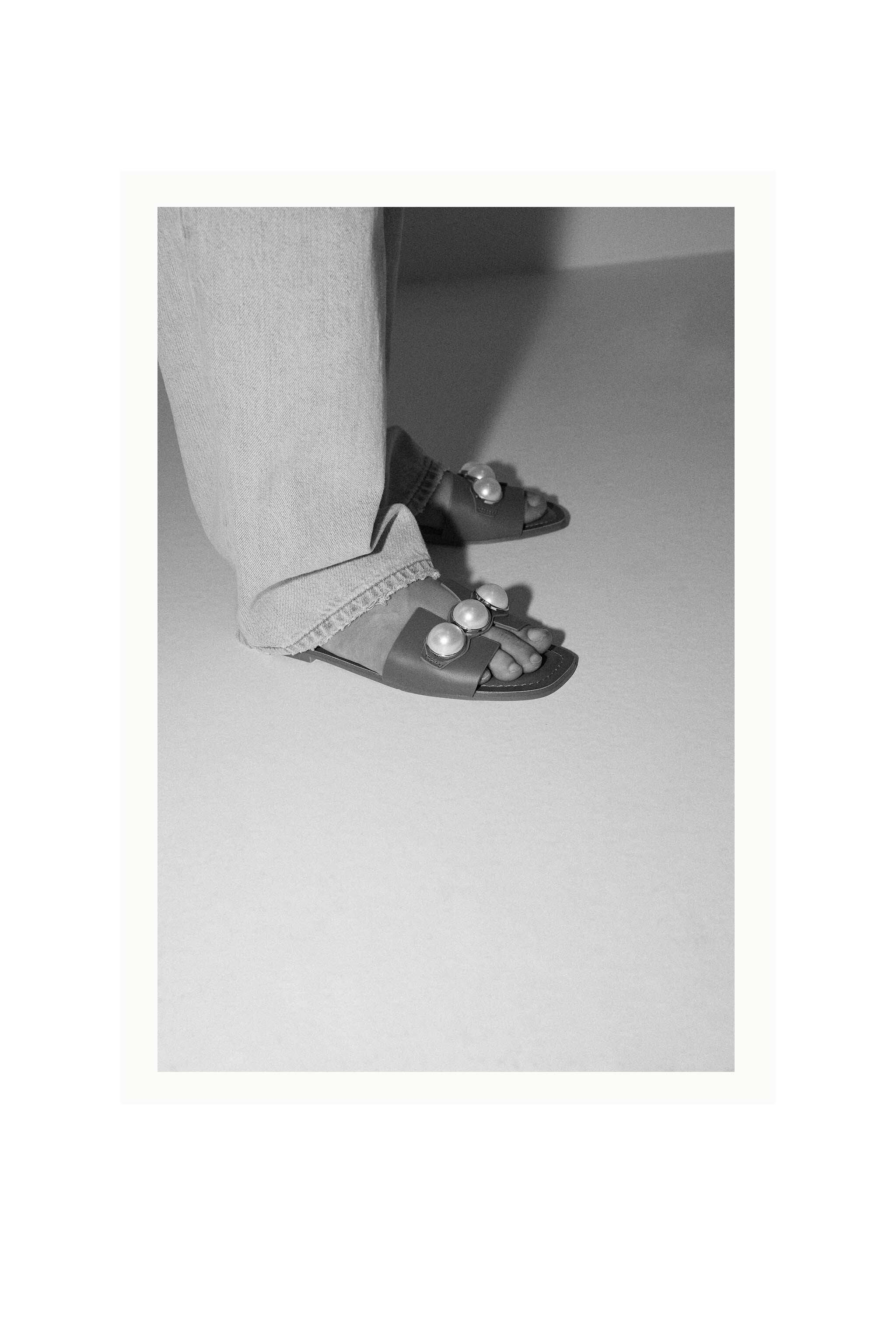 LEATHER SLIDE SANDALS WITH PEARLS 5