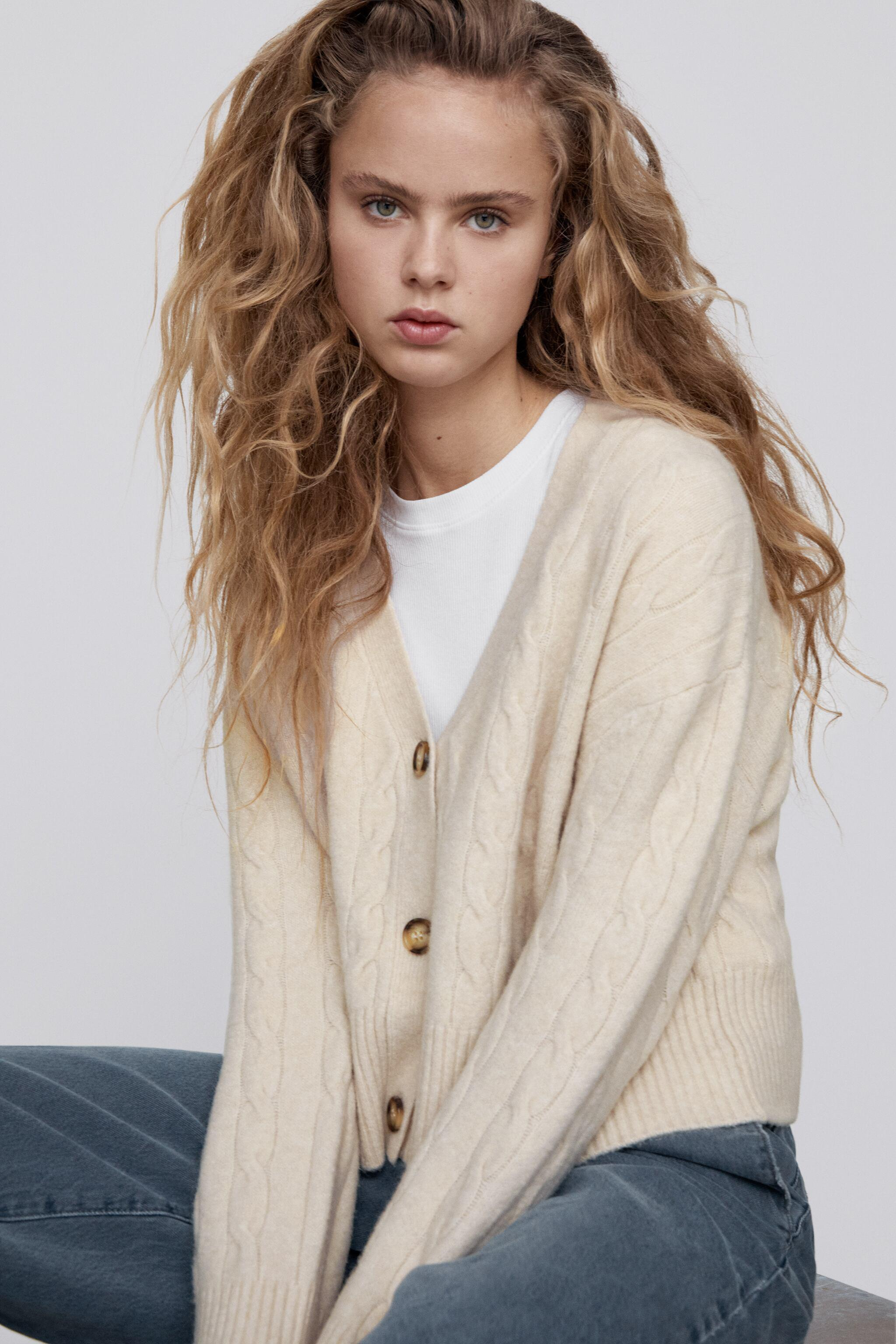CABLE-KNIT JACKET 1