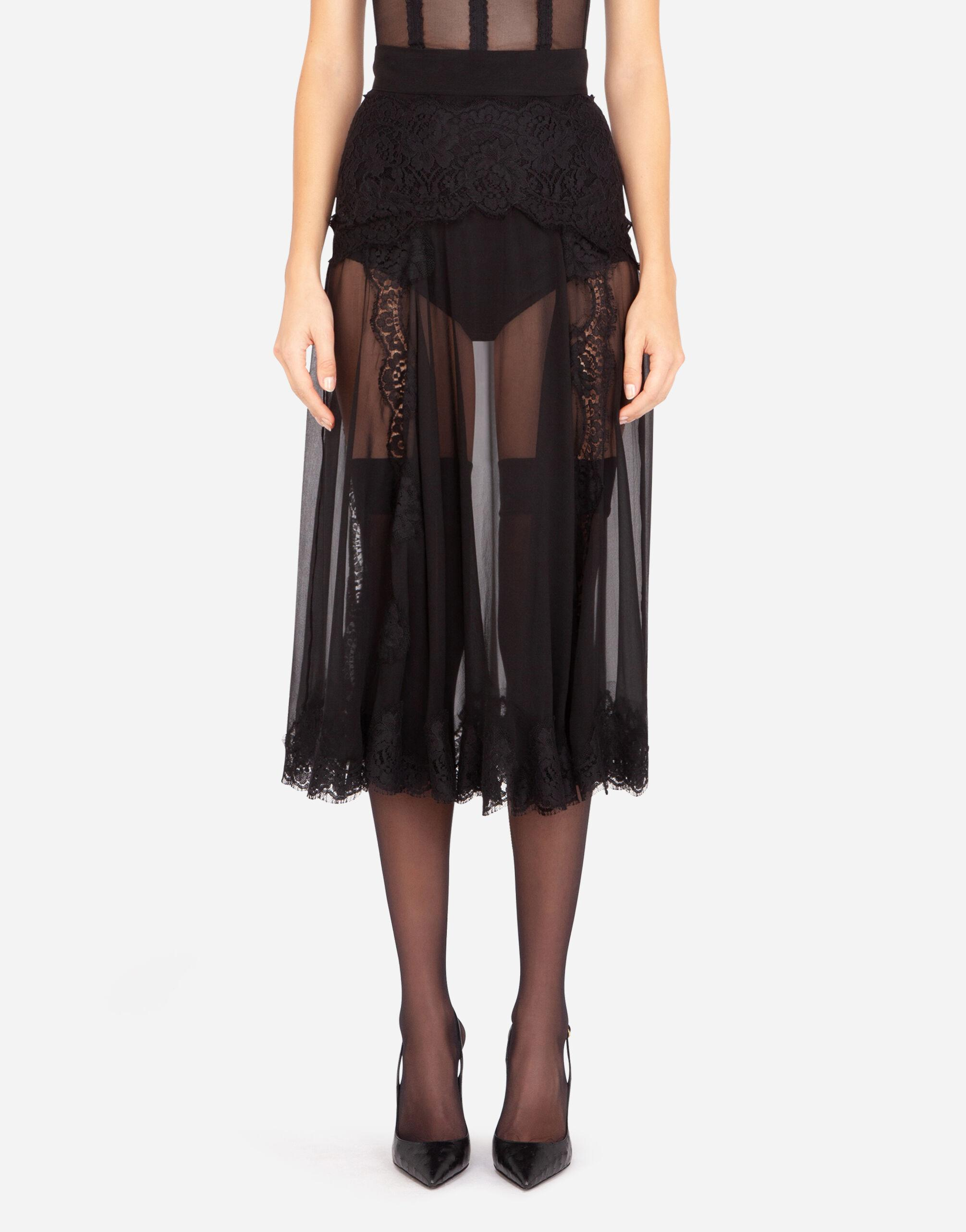 Longuette skirt in chiffon and chantilly lace