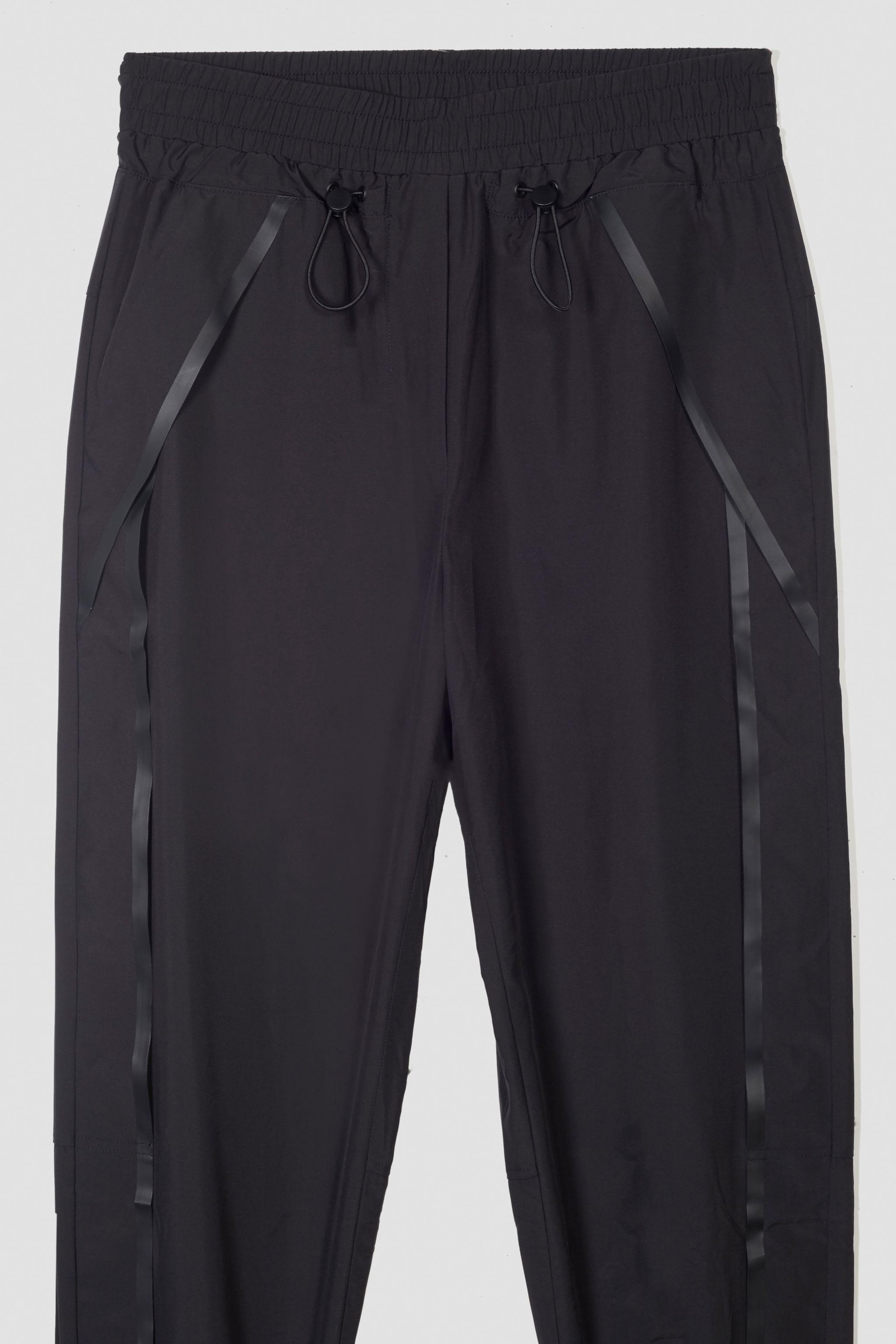 The Track-Less Pant 6