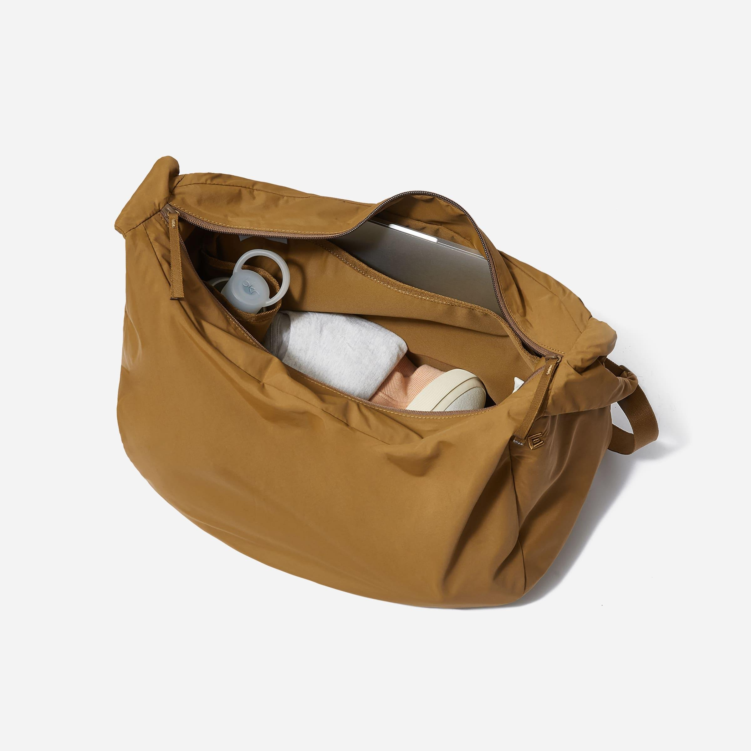 The Oversized Carryall 1