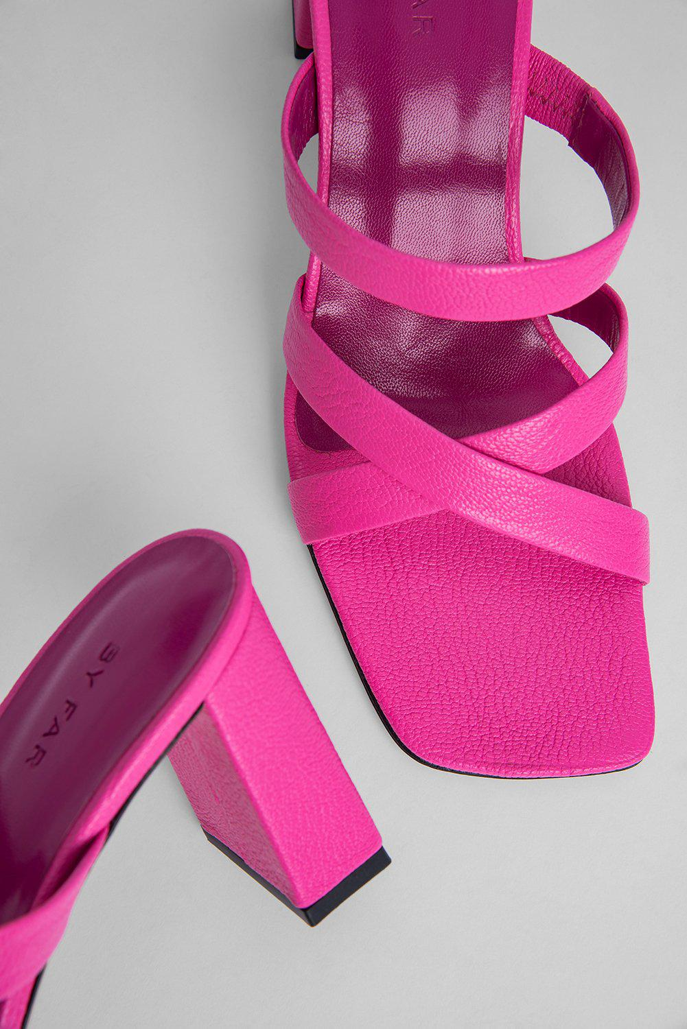 Lenny Hot Pink Grained Leather 2