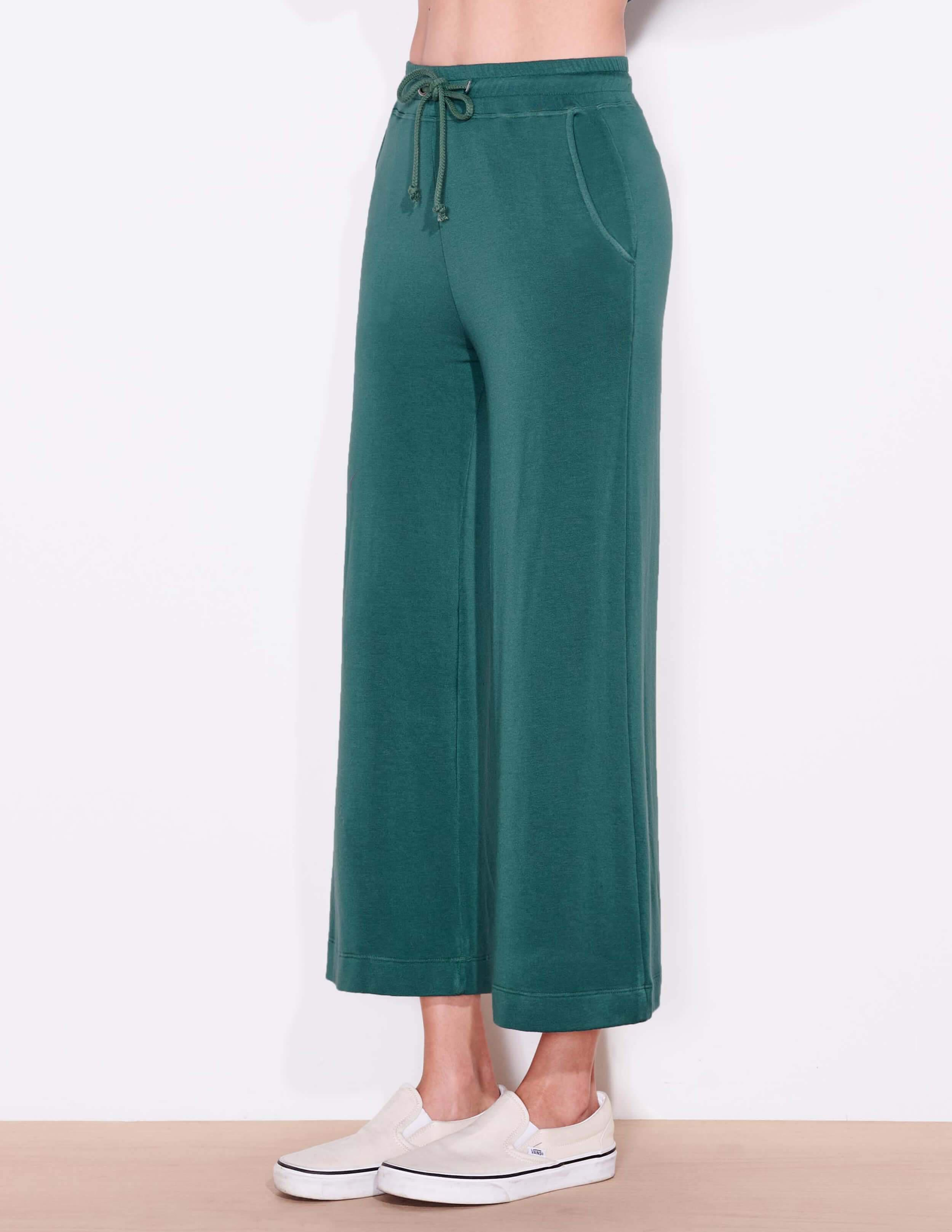 Cropped Flare Sweatpant 1
