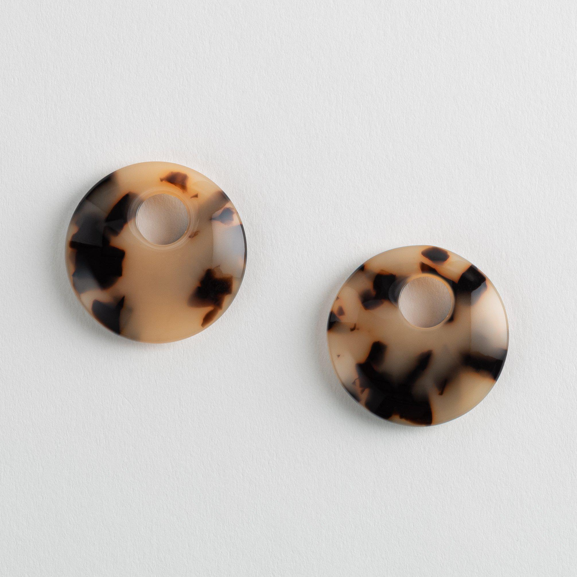 Disc Charms in Blonde Tortoise
