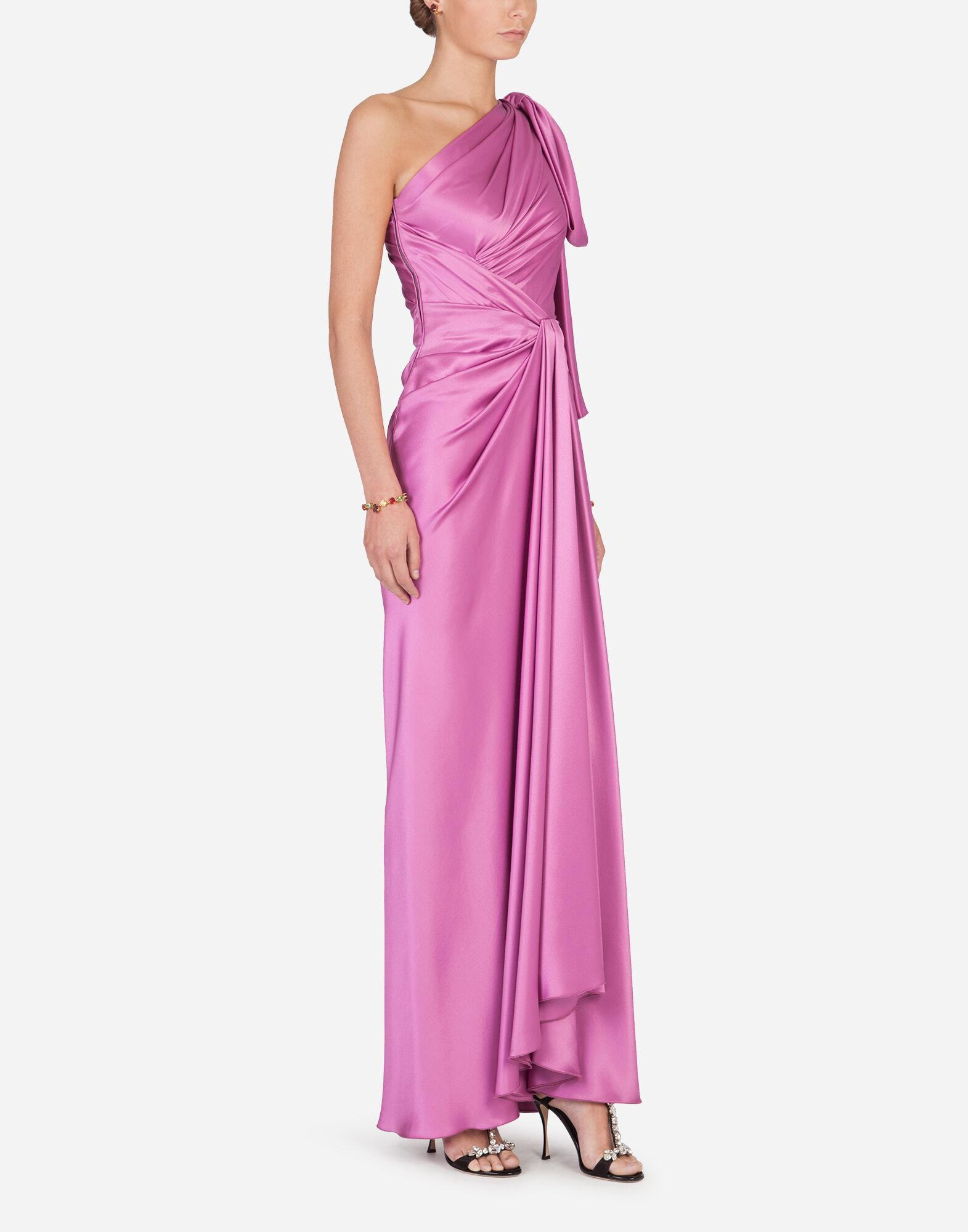 Long one-shoulder silk dress with bow detail 5
