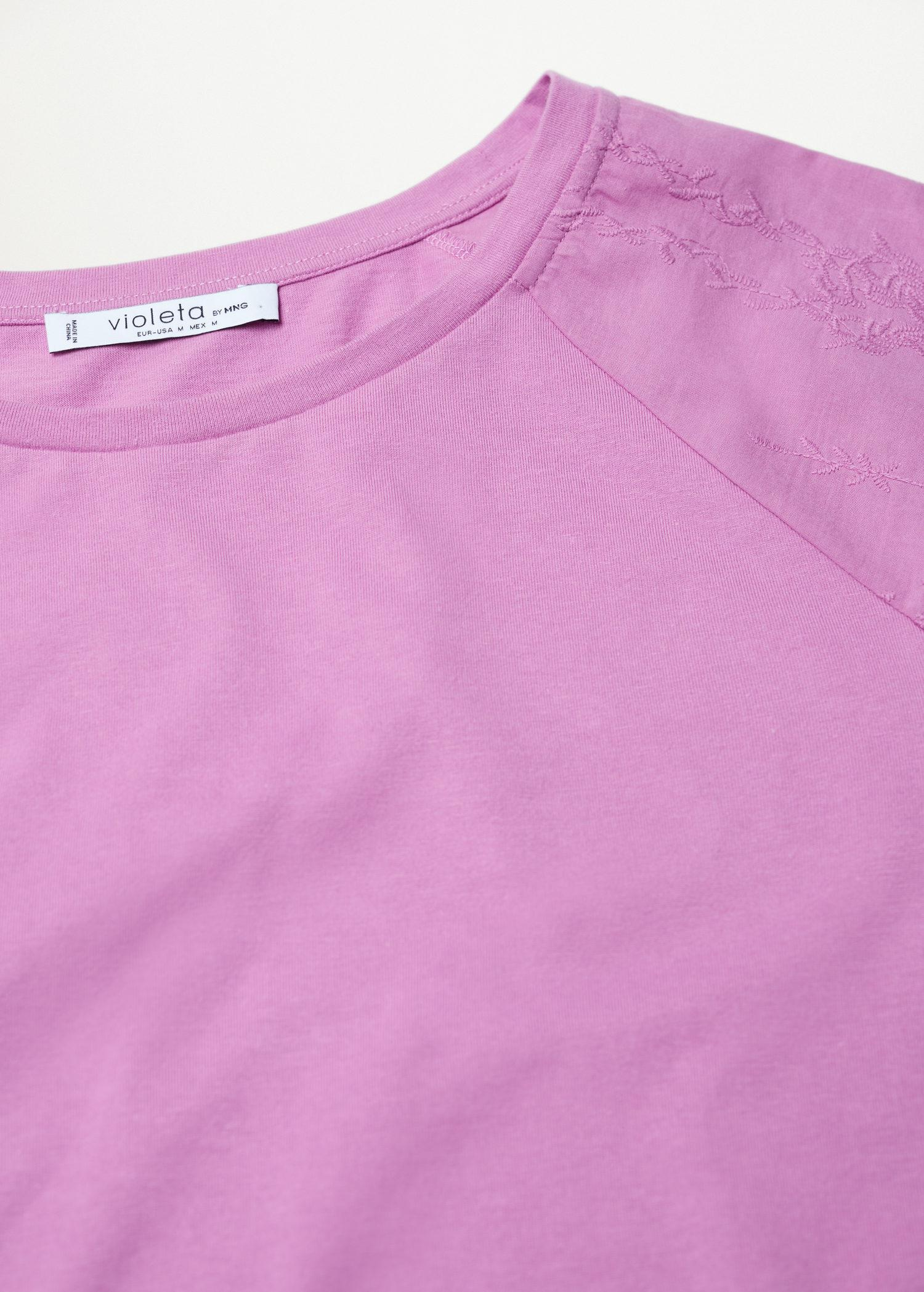 Embroidered sleeve T-shirt 6
