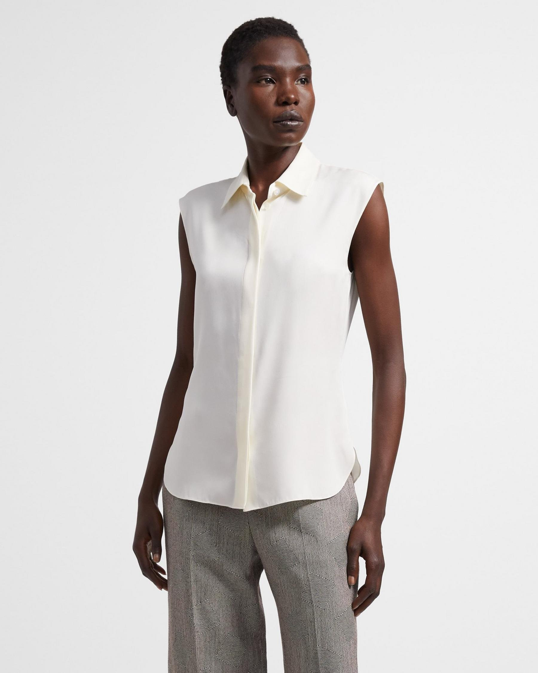 Fitted Sleeveless Shirt in Stretch Silk 4