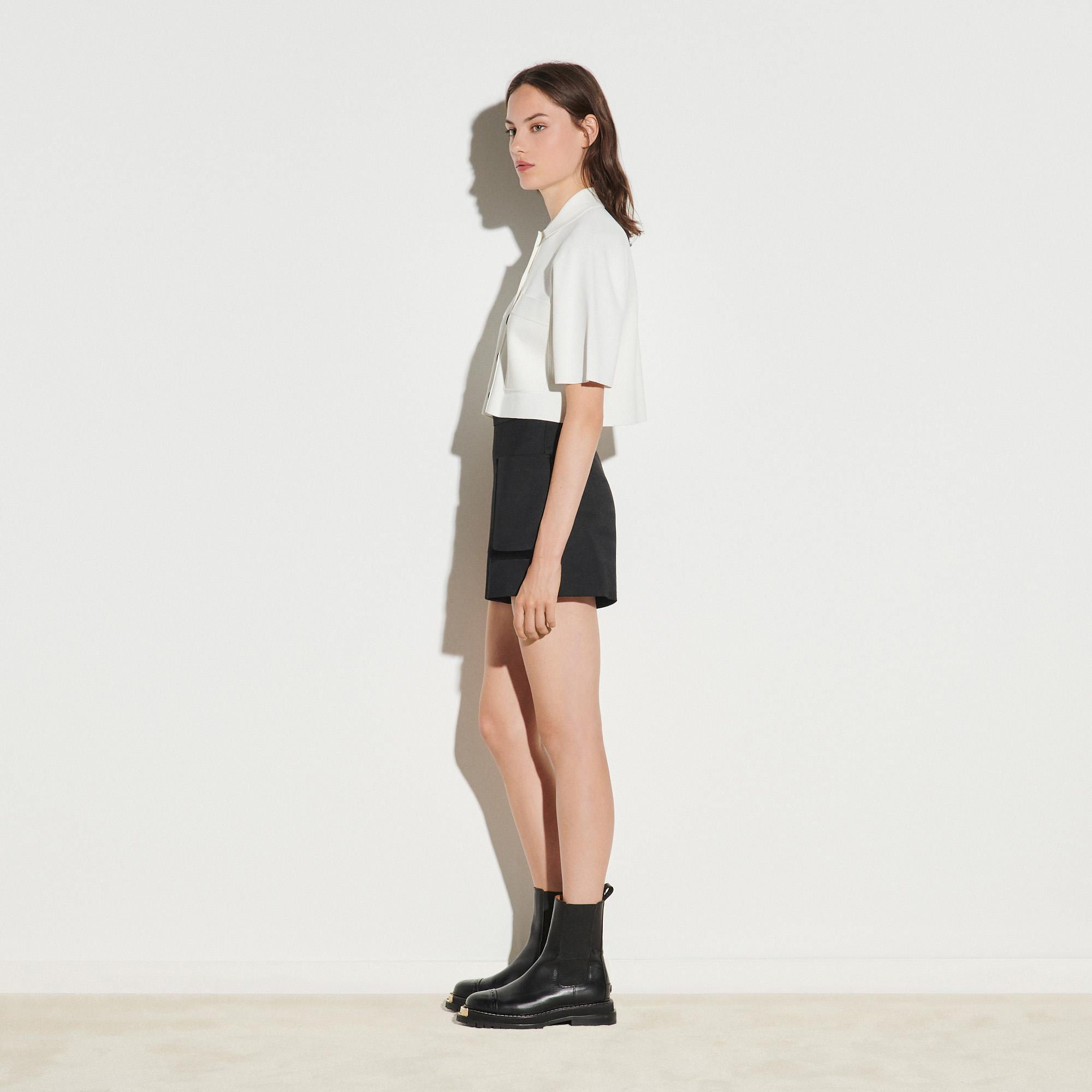 Shorts with large patch pockets 2