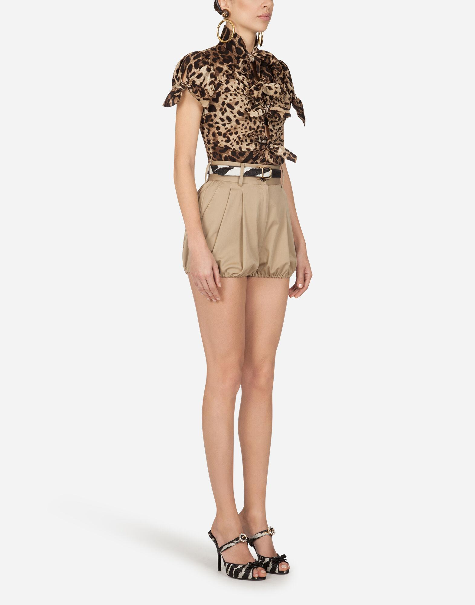 Top in charmeuse with leopard print 3