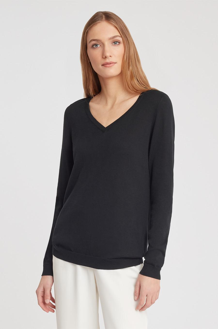 Women's Classic Cotton Cashmere V-Neck Sweater in Black | Size: XS | Cotton Blend by Cuyana 1