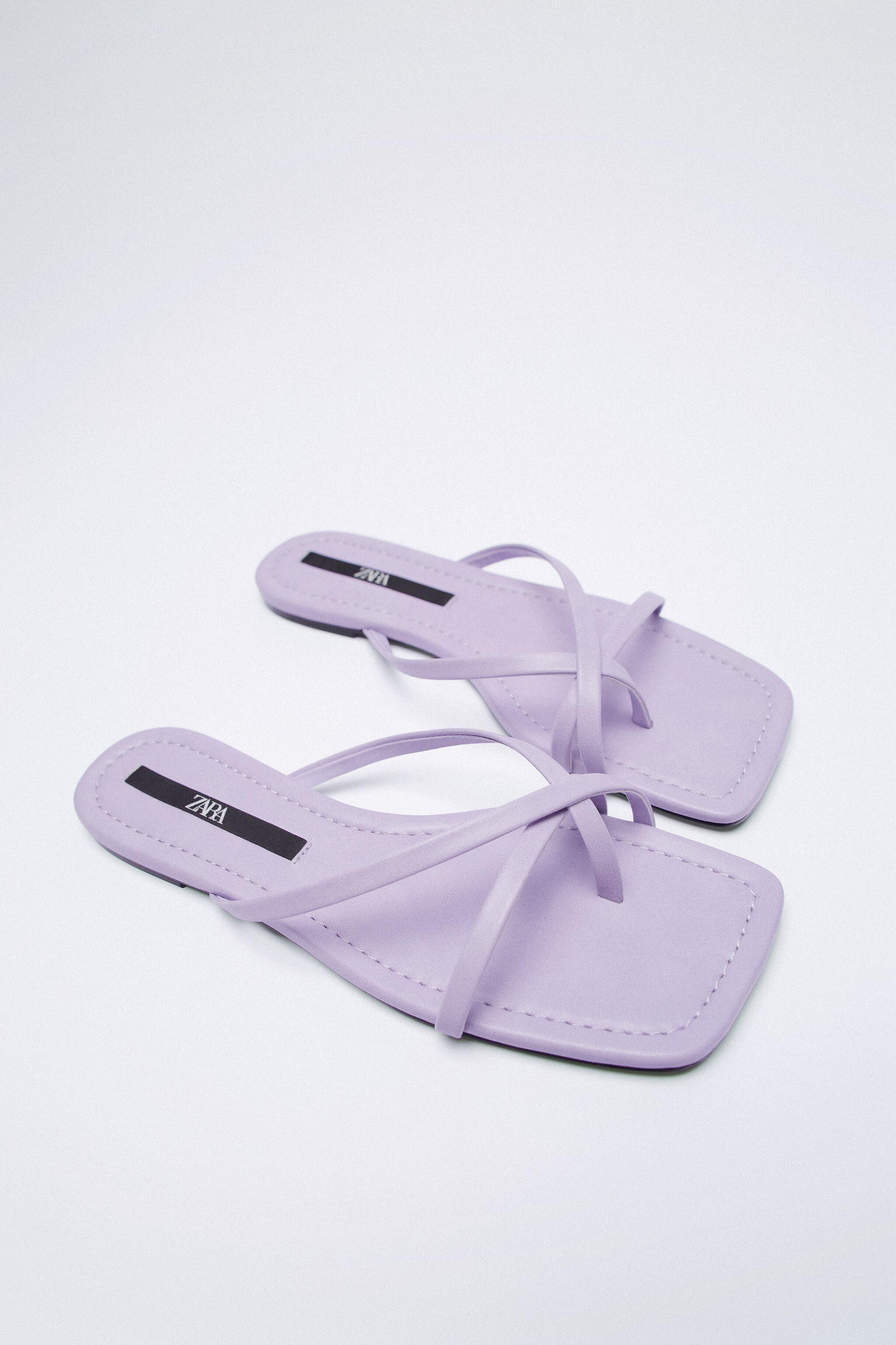 FLAT STRAPPY SANDALS 6
