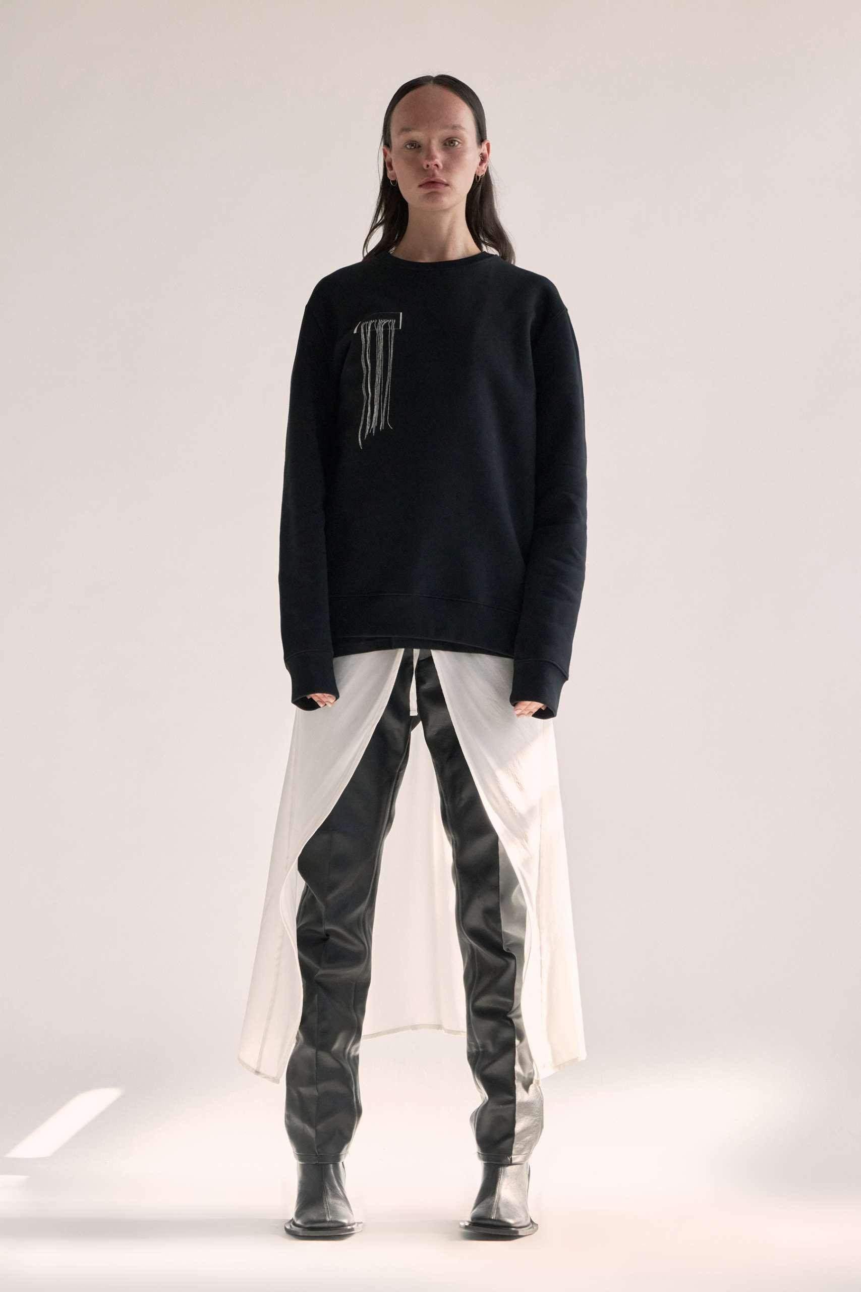 CARBON SWEATER – FRAYED W