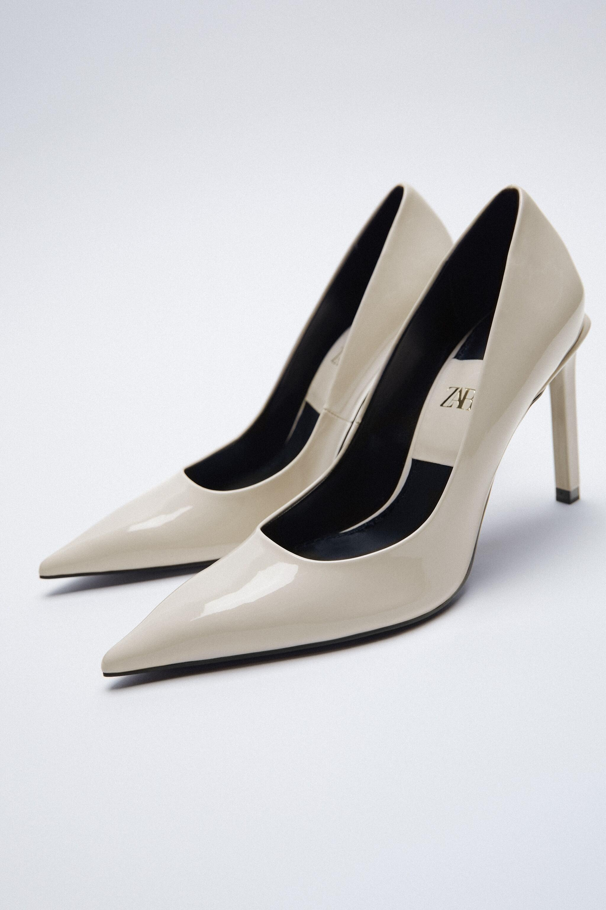 PATENT FINISH POINTED TOE HEELS 3