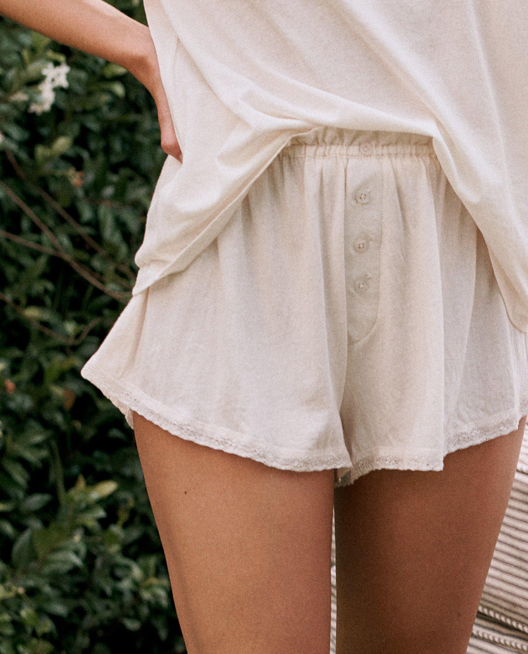 The Lace Tap Short. -- WASHED WHITE 3