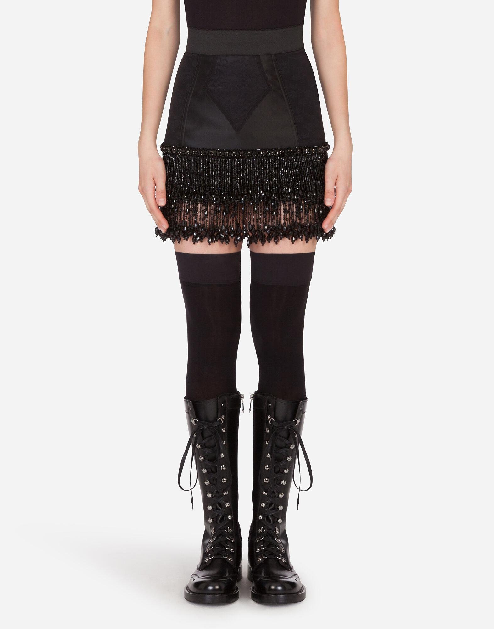 Embroidered lace miniskirt