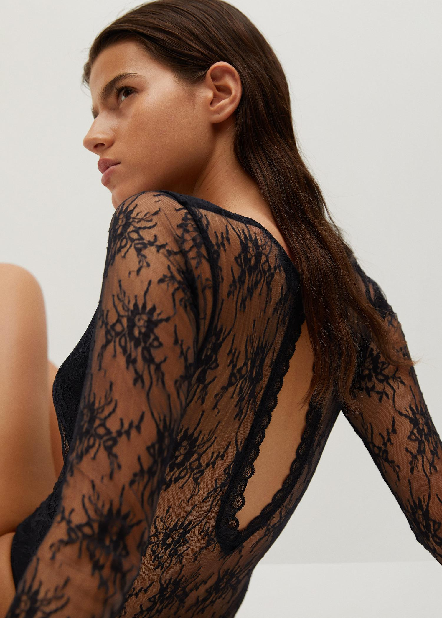 Short-sleeved lace body 4