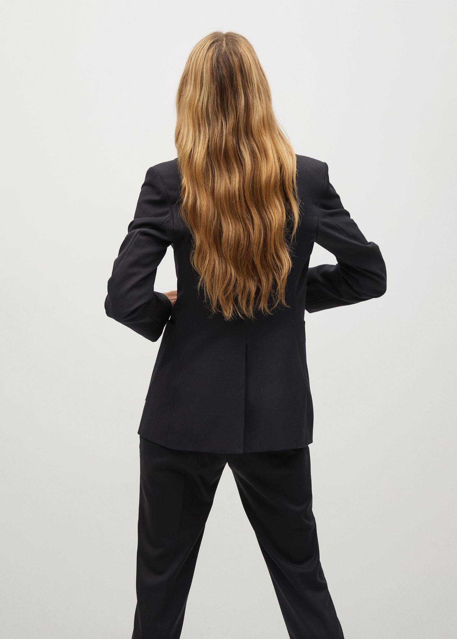 Fitted blazer with pocket 2