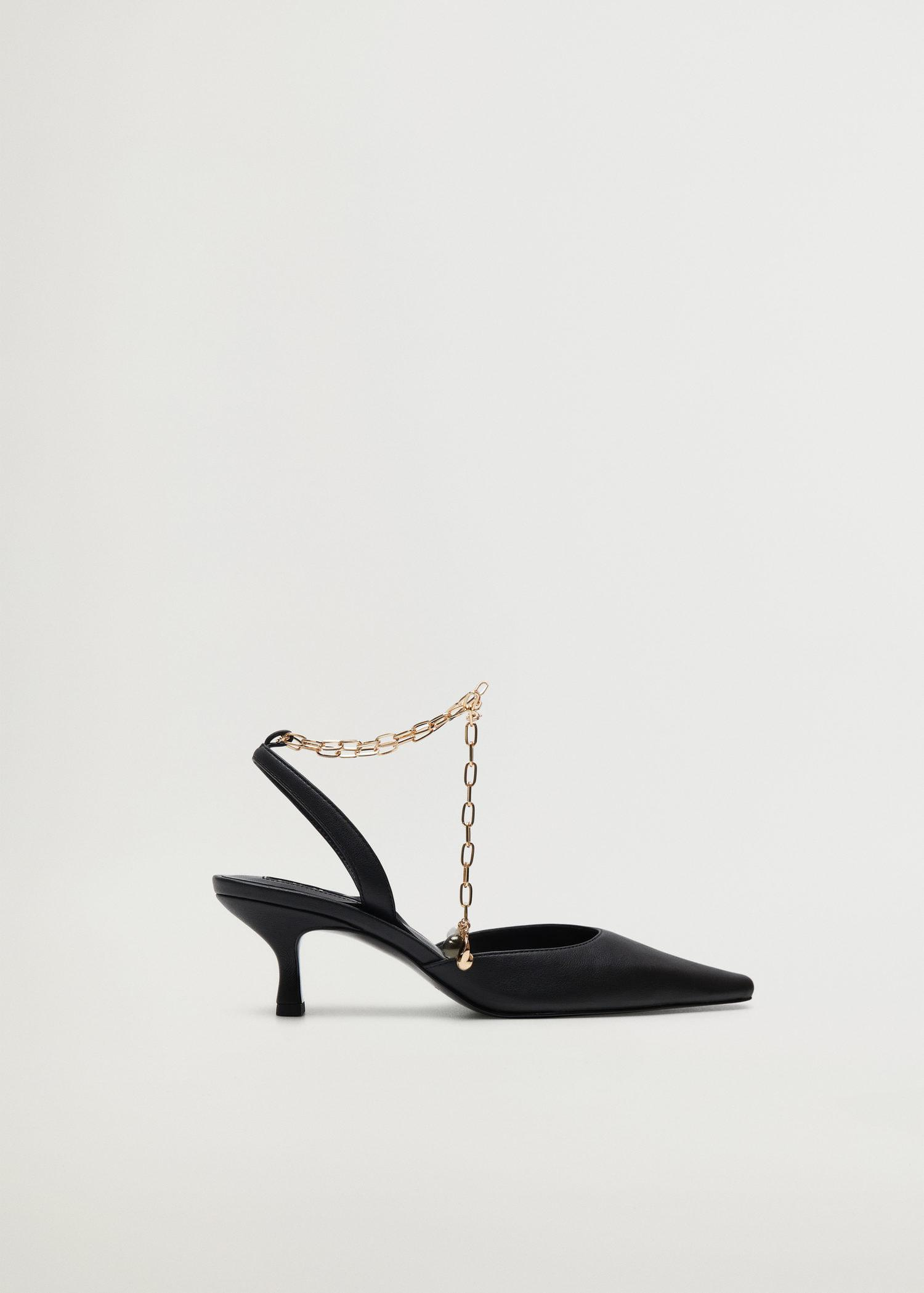 Heeled shoes with chain