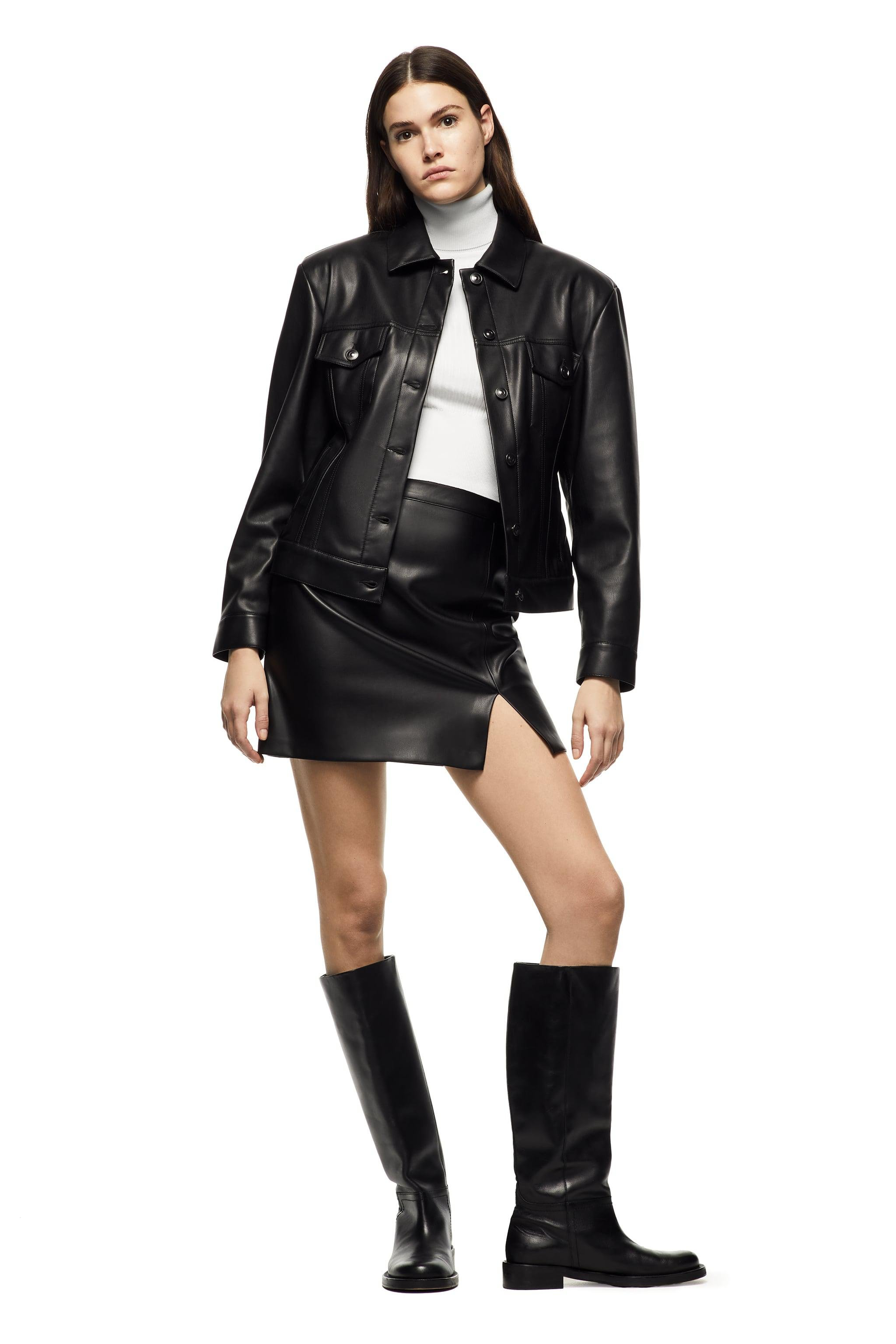 SHORT FAUX LEATHER SKIRT