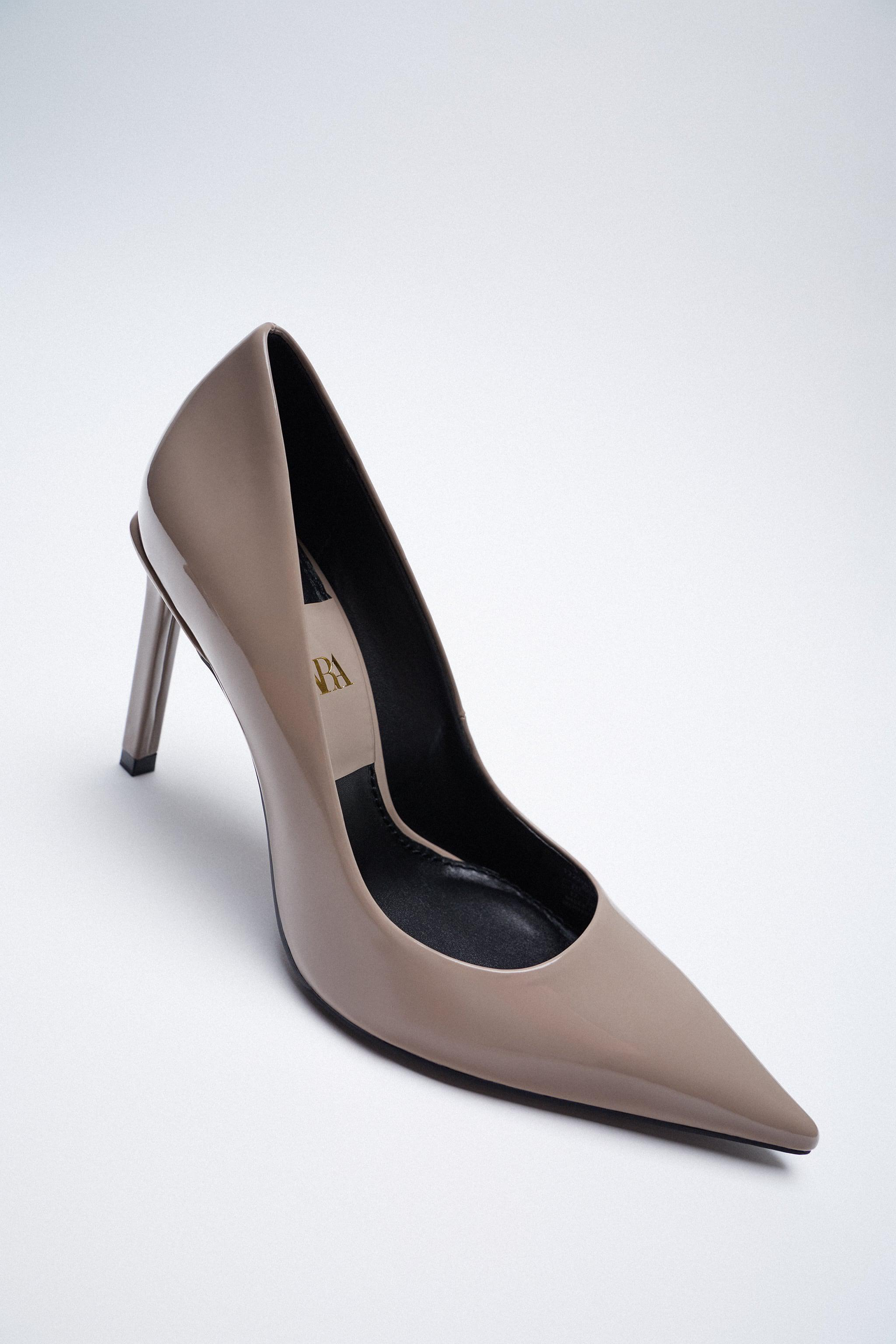 PATENT FINISH POINTED TOE HEELS 4