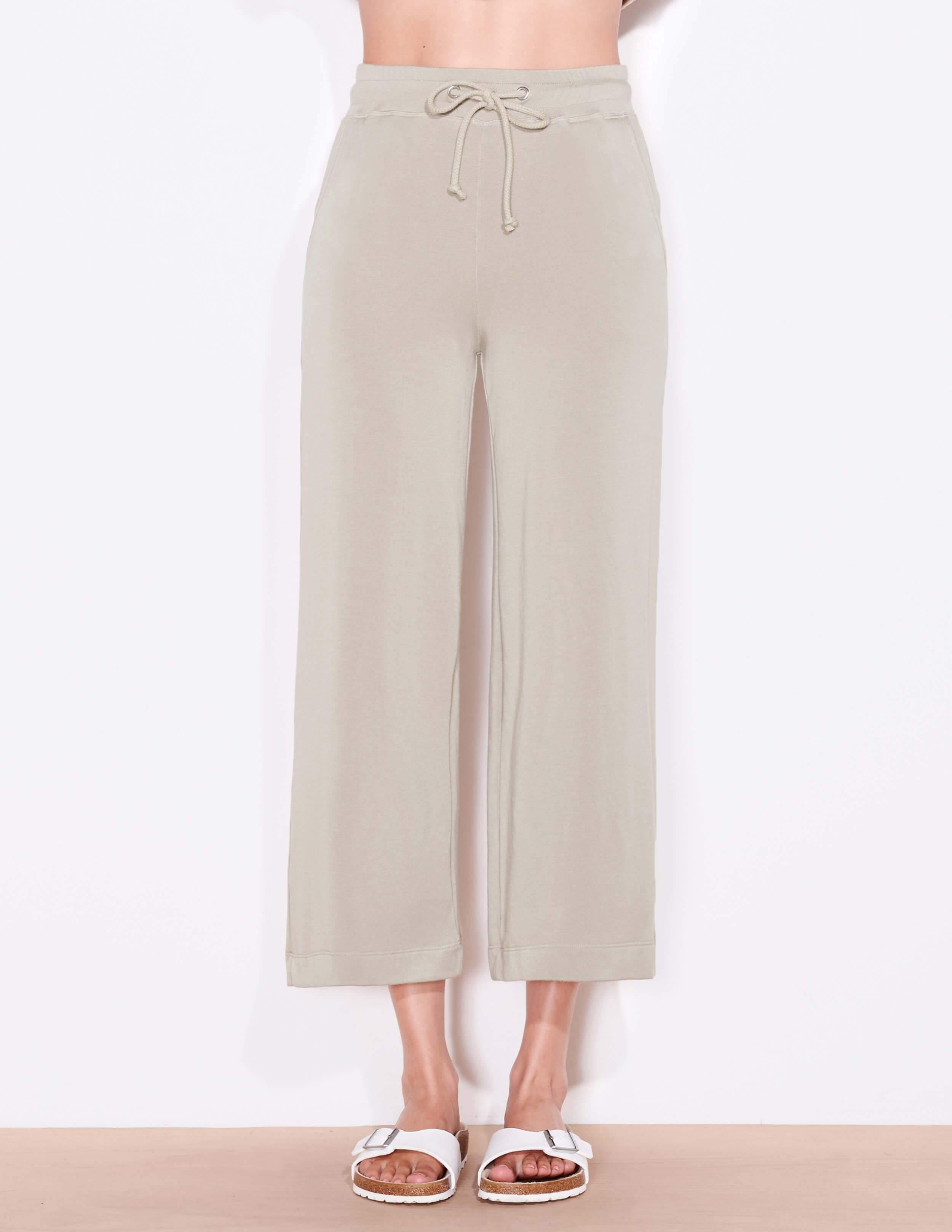 Cropped Flare Sweatpant