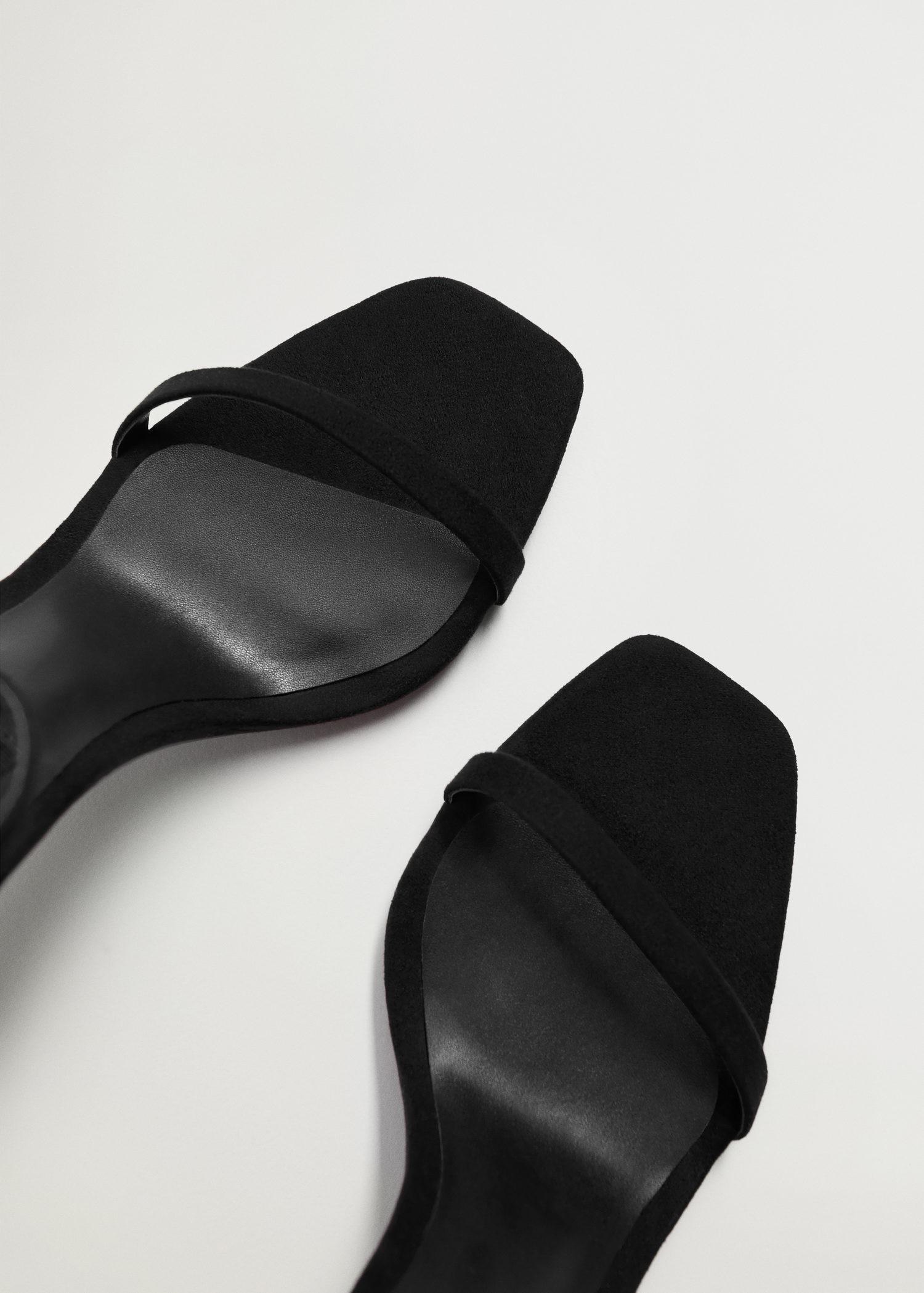 Ankle-cuff sandals 3