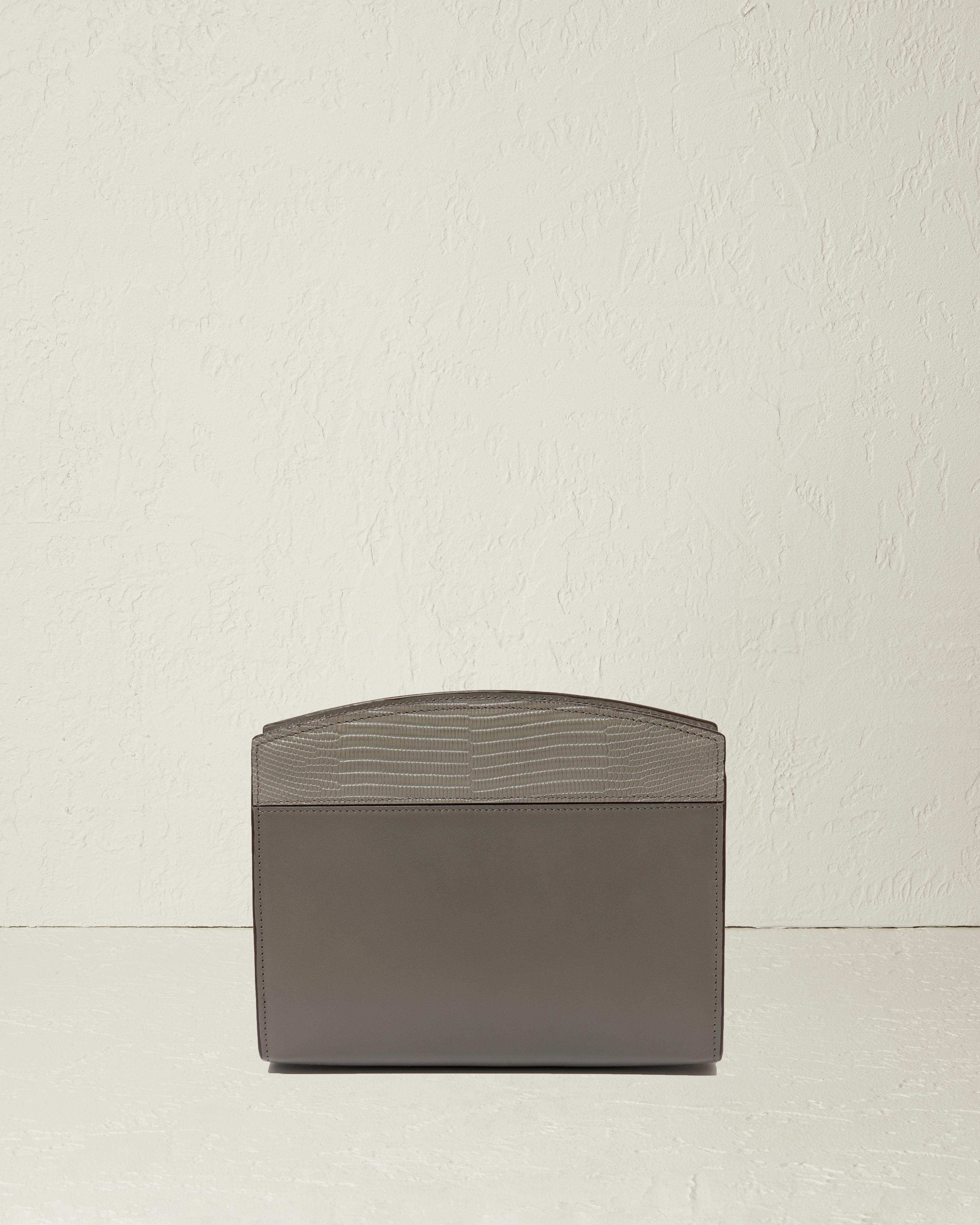 The Small Cosmetic Case in Textured Nappa Leather