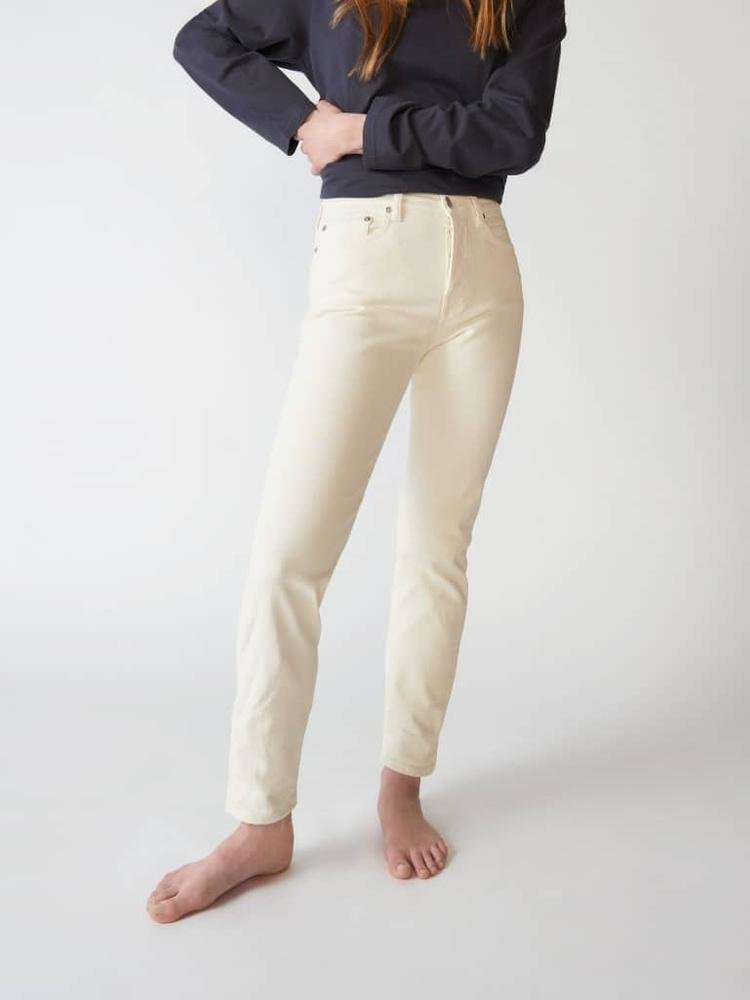 CW002 Classic Jeans