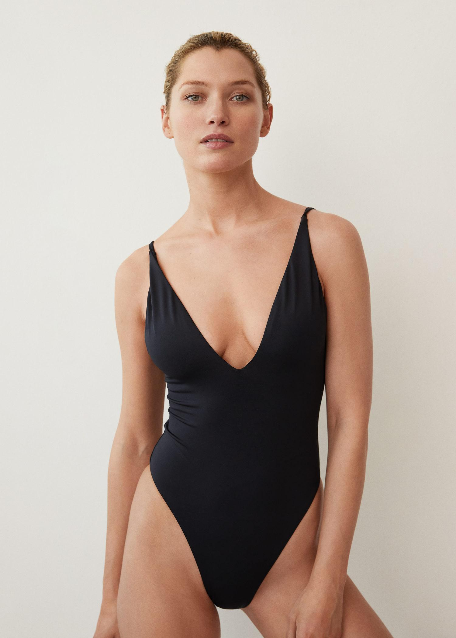Swimsuit with back straps