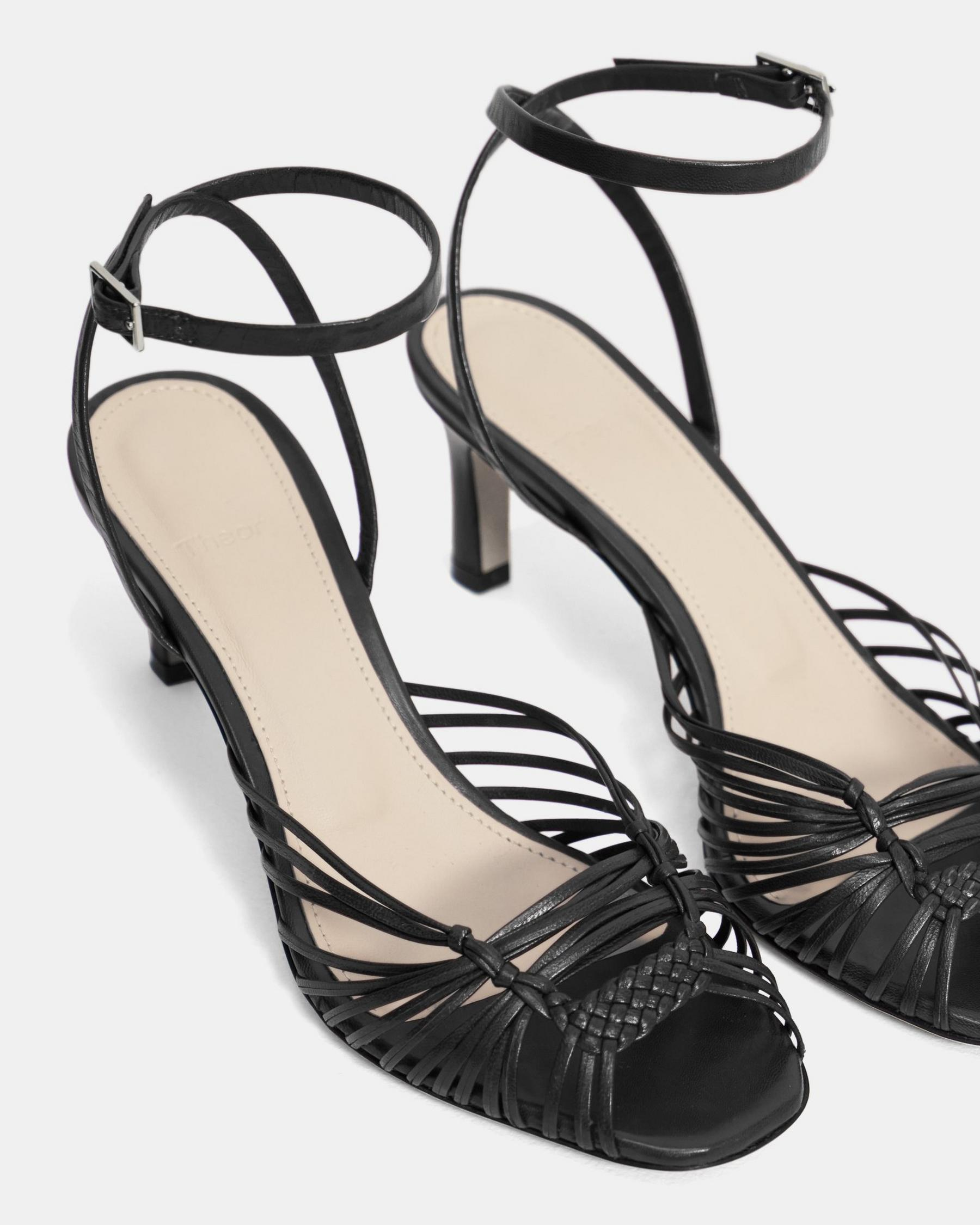 Hand-Braided Sandal in Leather 3