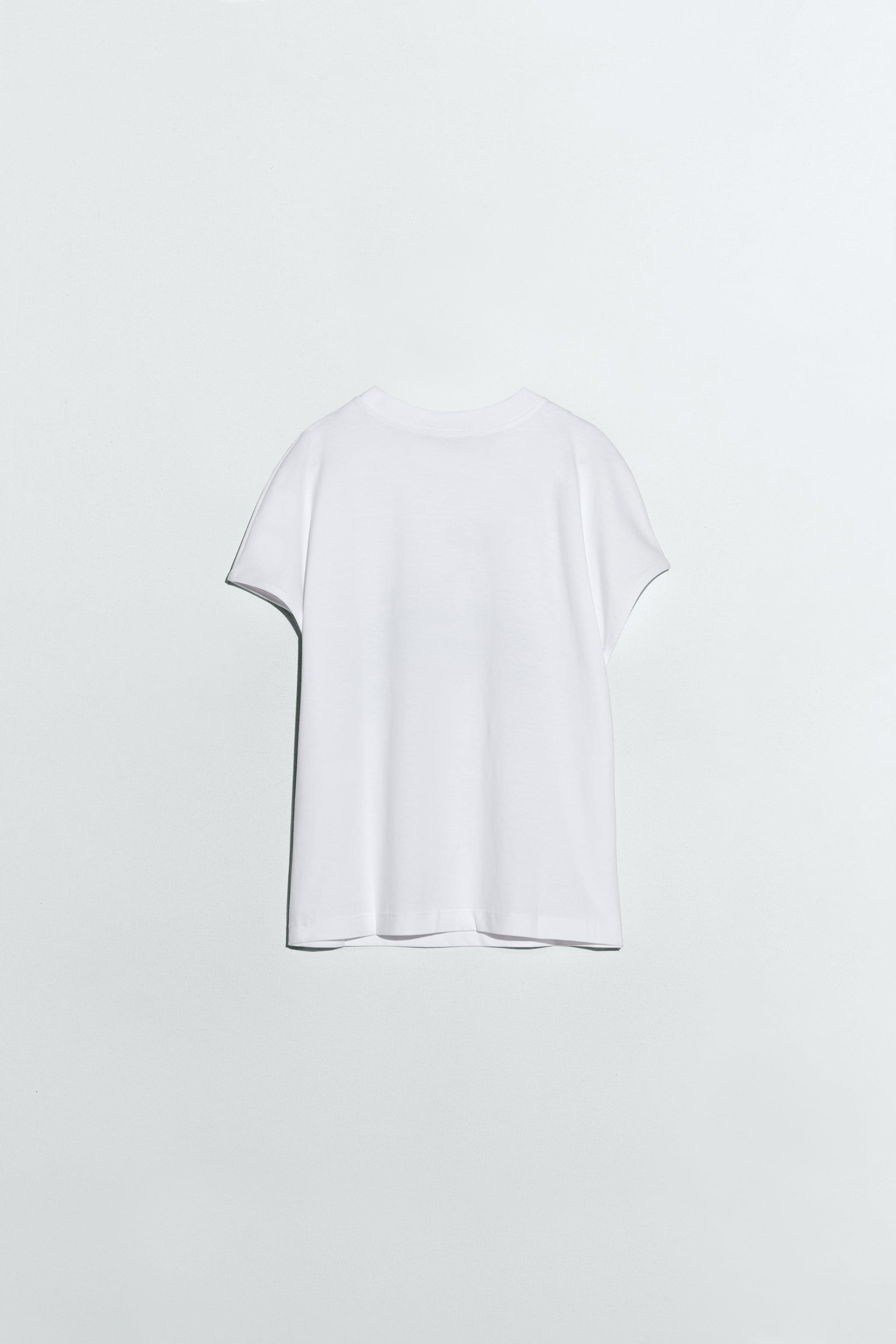 T-SHIRT WITH WOMAN PRINT 4