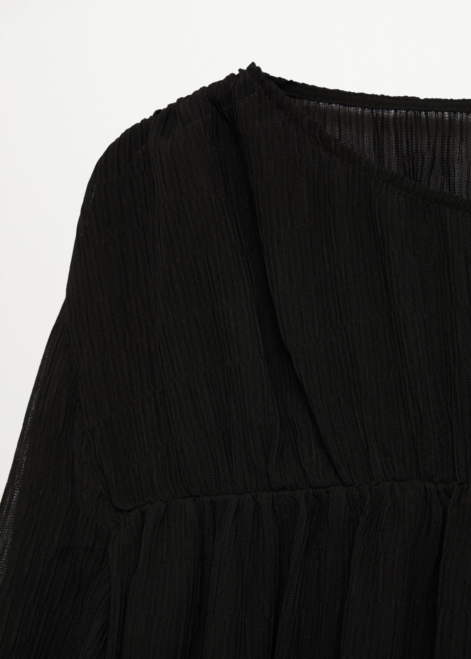 Pleated-texture blouse 5