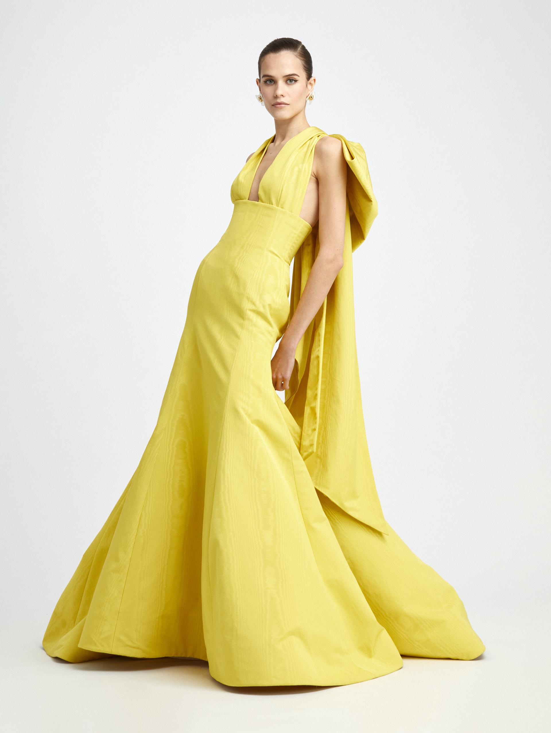 HALTER BOW BACK TRUMPET GOWN