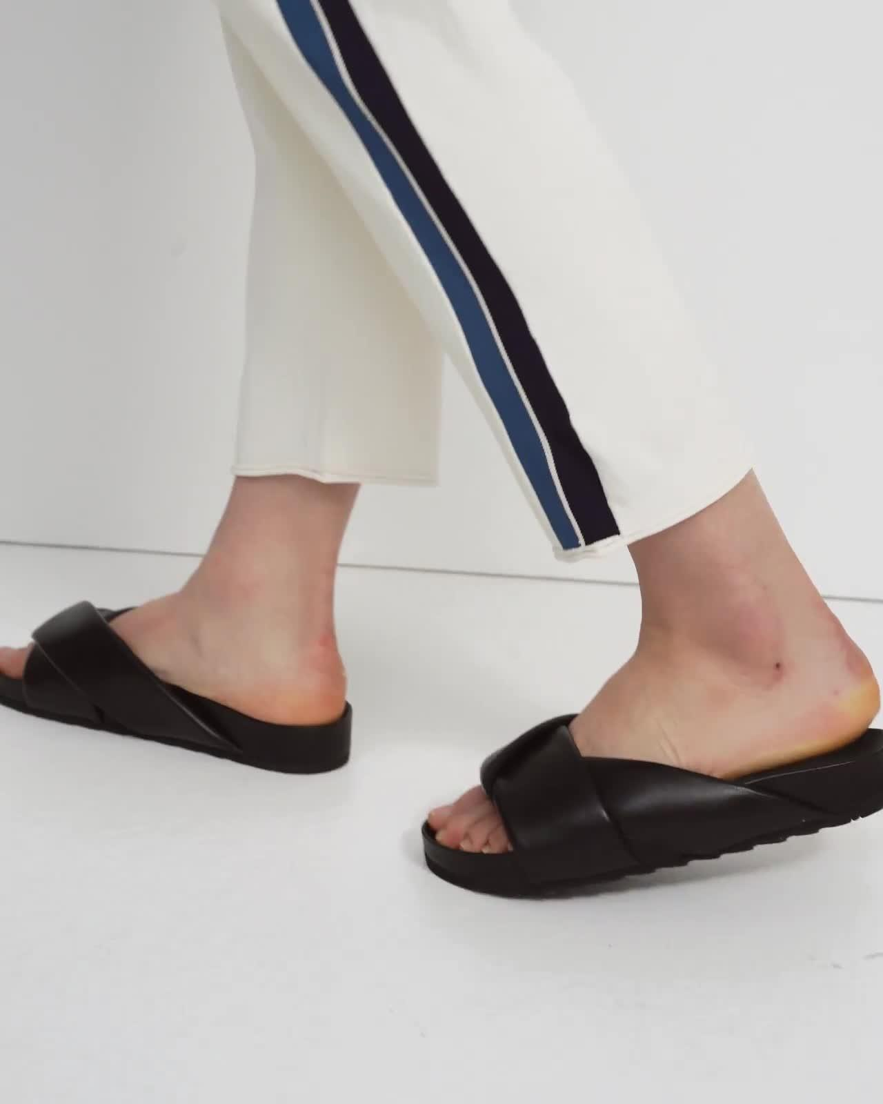 Side Stripe Pull-On Pant in Crepe Knit 4