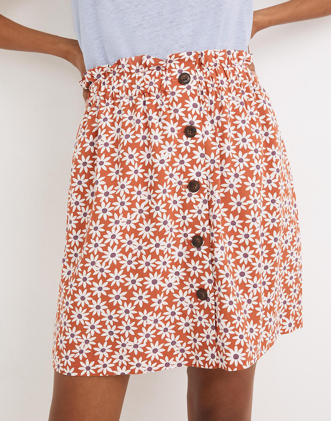 Paperbag Button-Front Mini Skirt in Falling Daisies 1