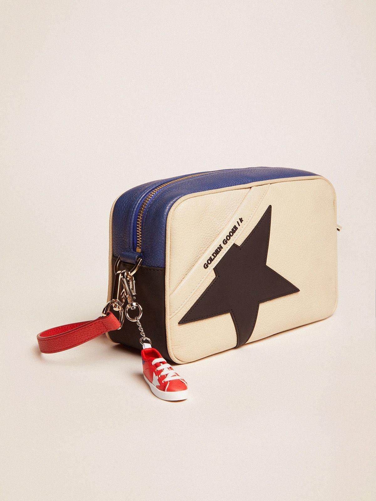 Star Bag made of pebbled leather with black star 2