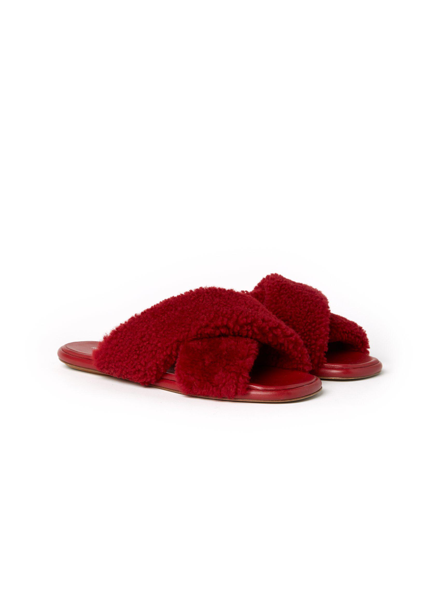 Flat Crossover Sandals Rouge