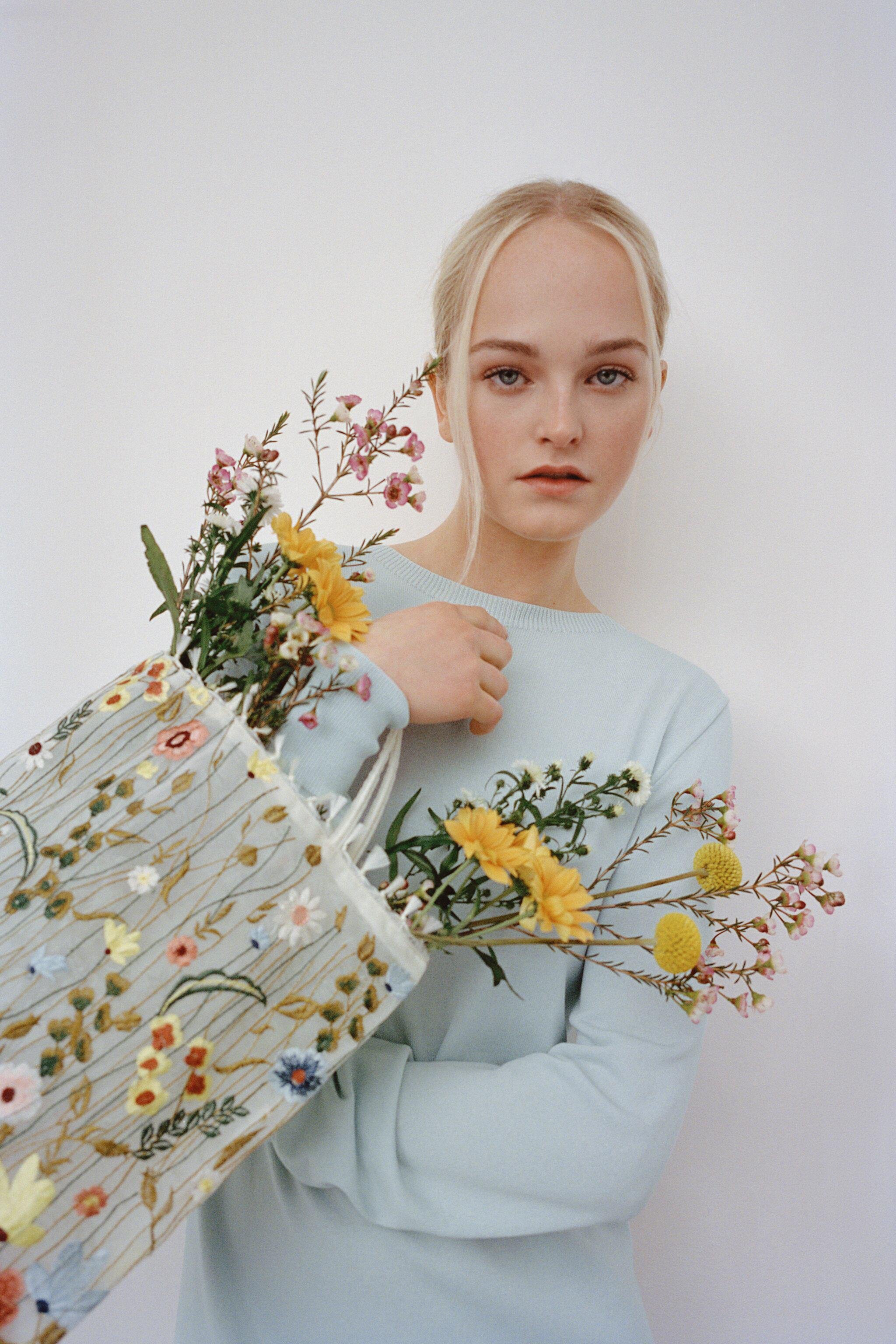 TULLE FLORAL EMBROIDERY TOTE BAG 7