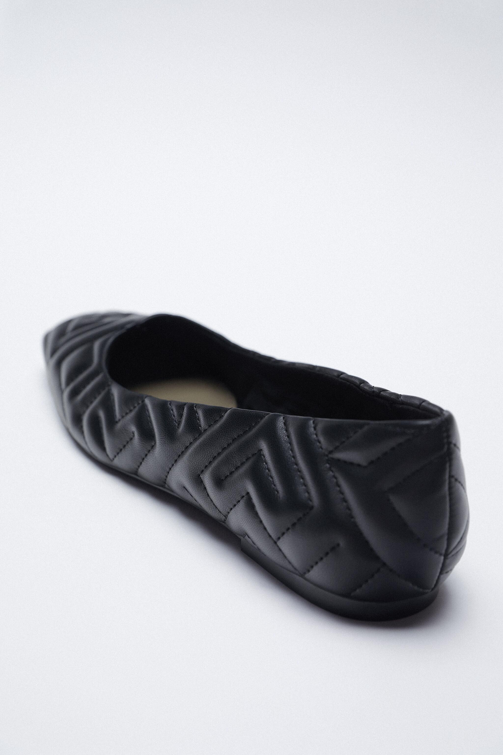 QUILTED FLAT 3