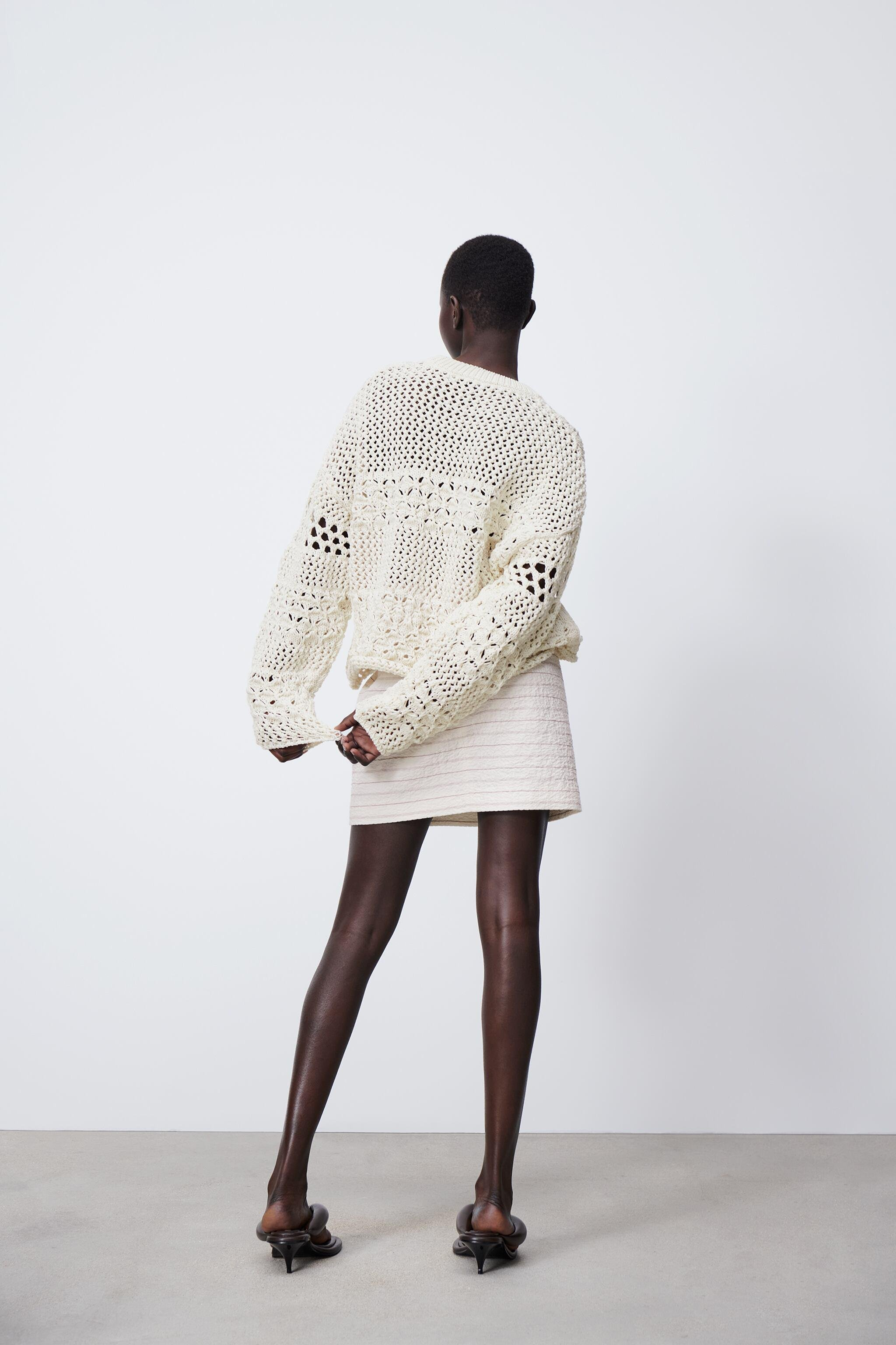 TEXTURED KNIT SWEATER 3