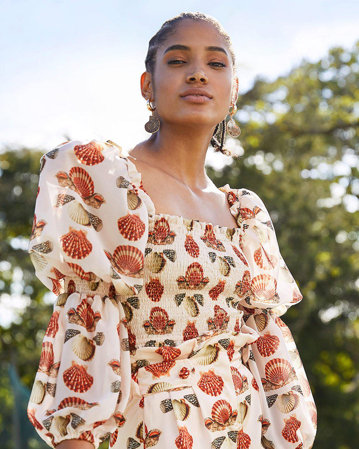 SEASHELL SHIRRED CROPPED TOP