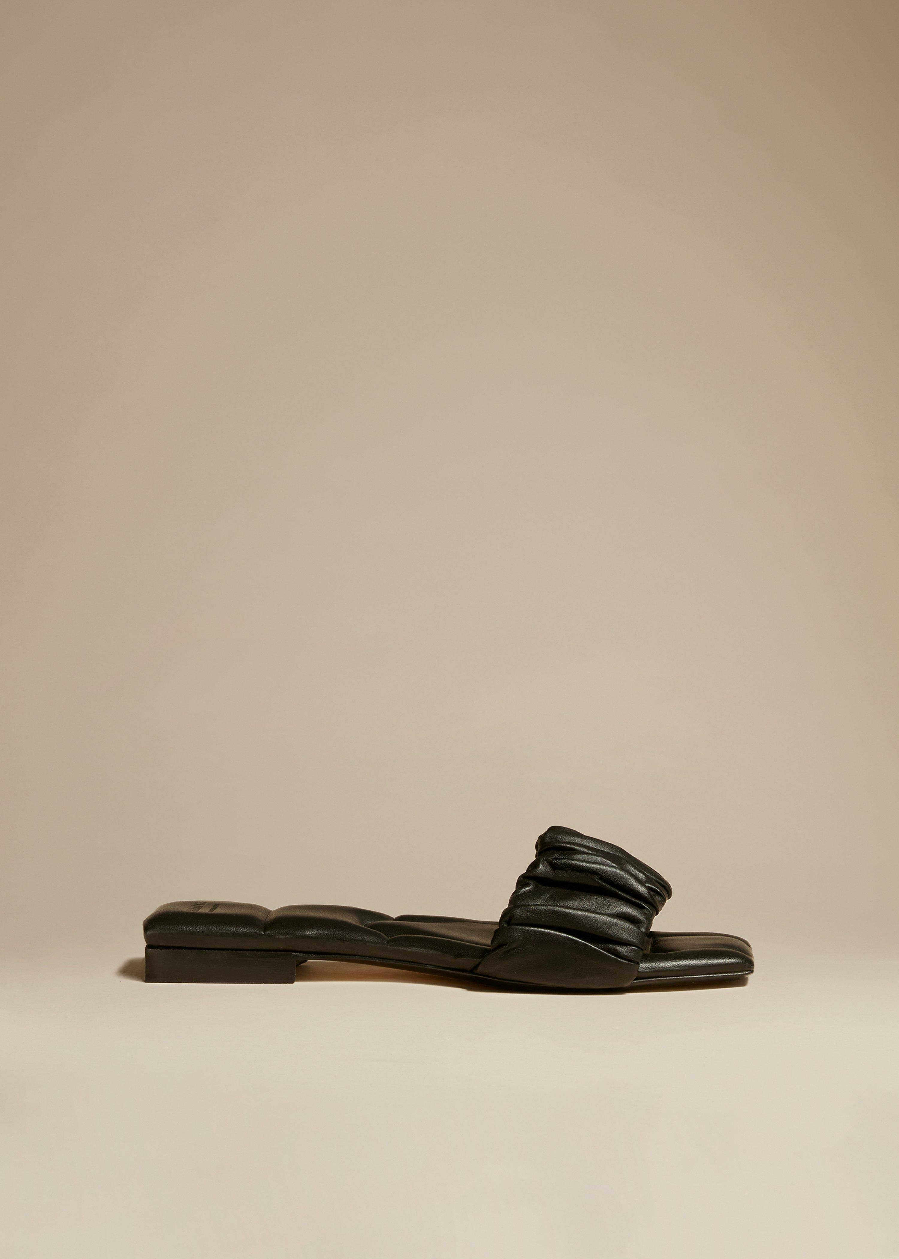 The Crete Flat in Black Leather 0