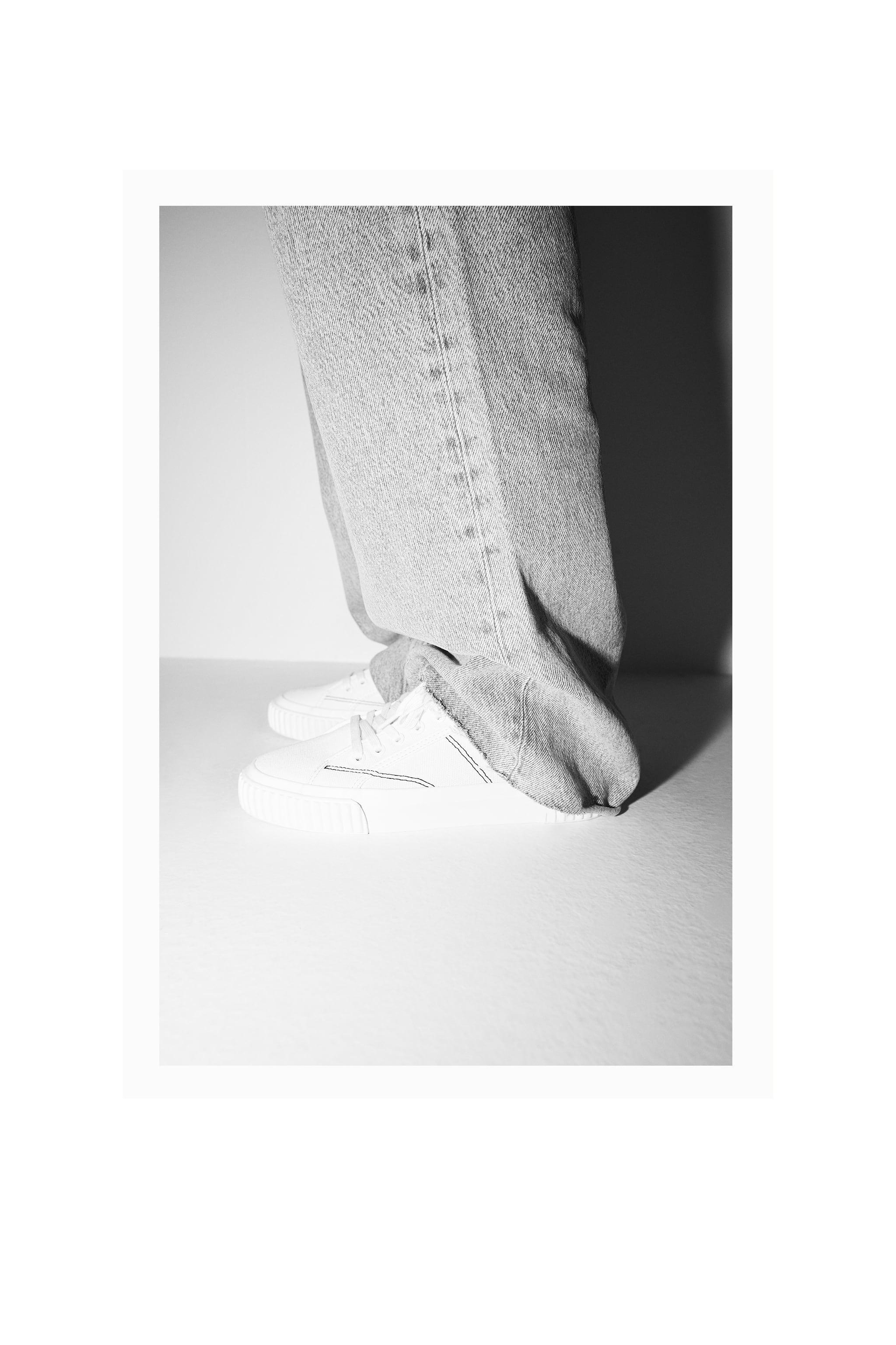 CANVAS SNEAKERS 7