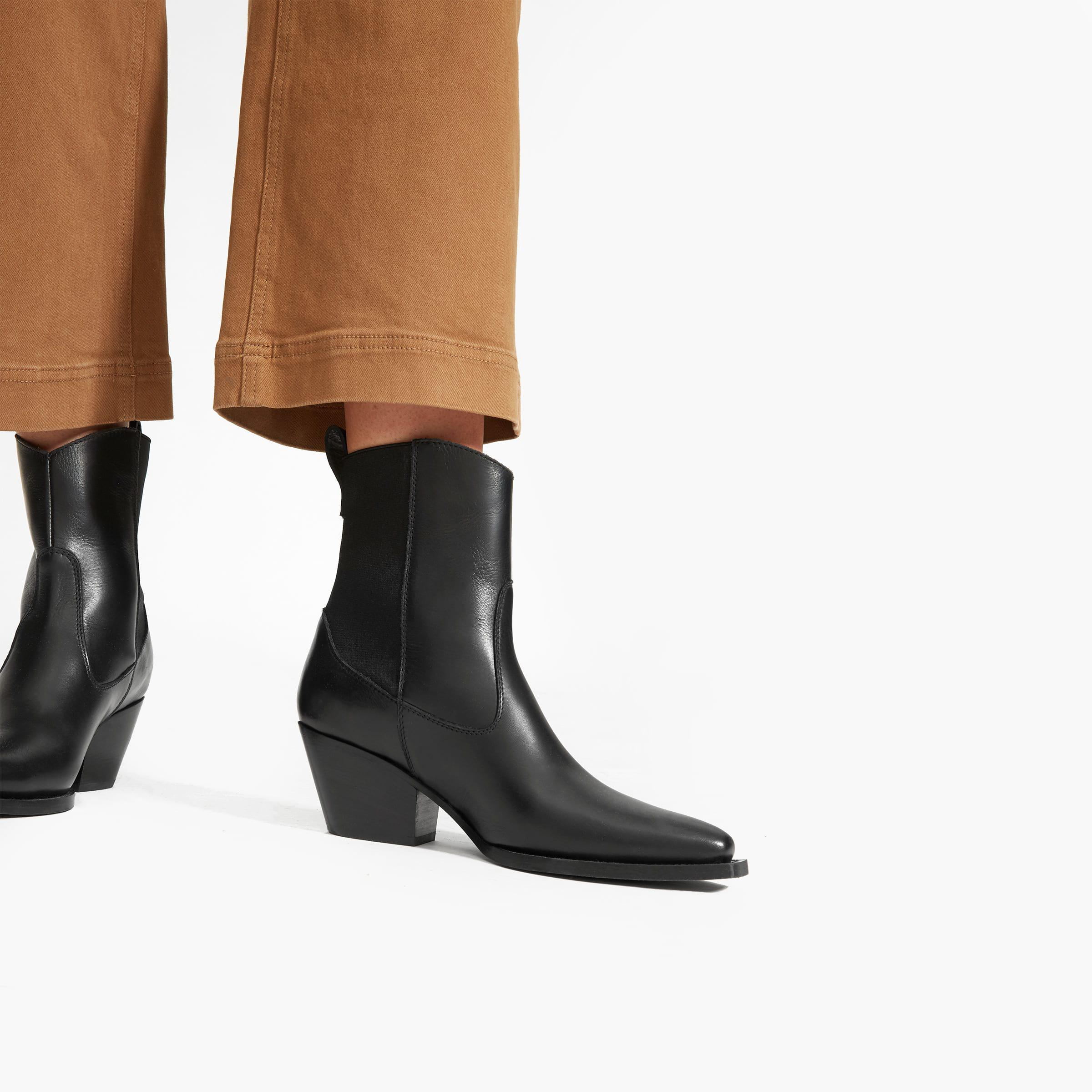 The Wild Western Boot 4