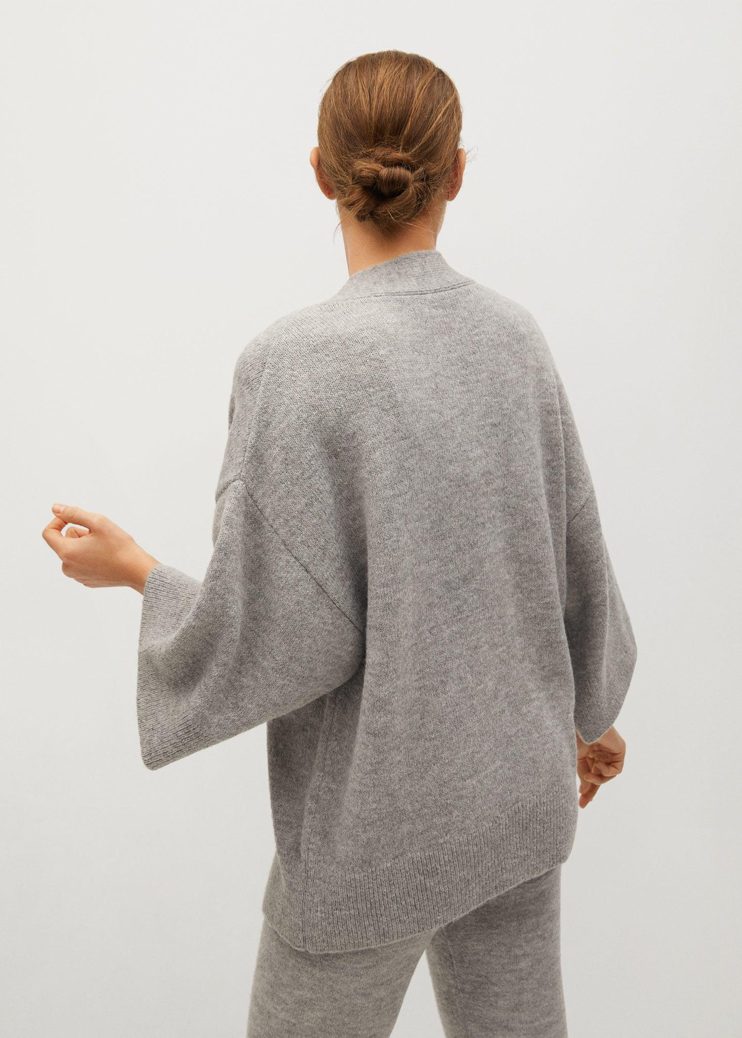 Knitted cardigan with belt 2