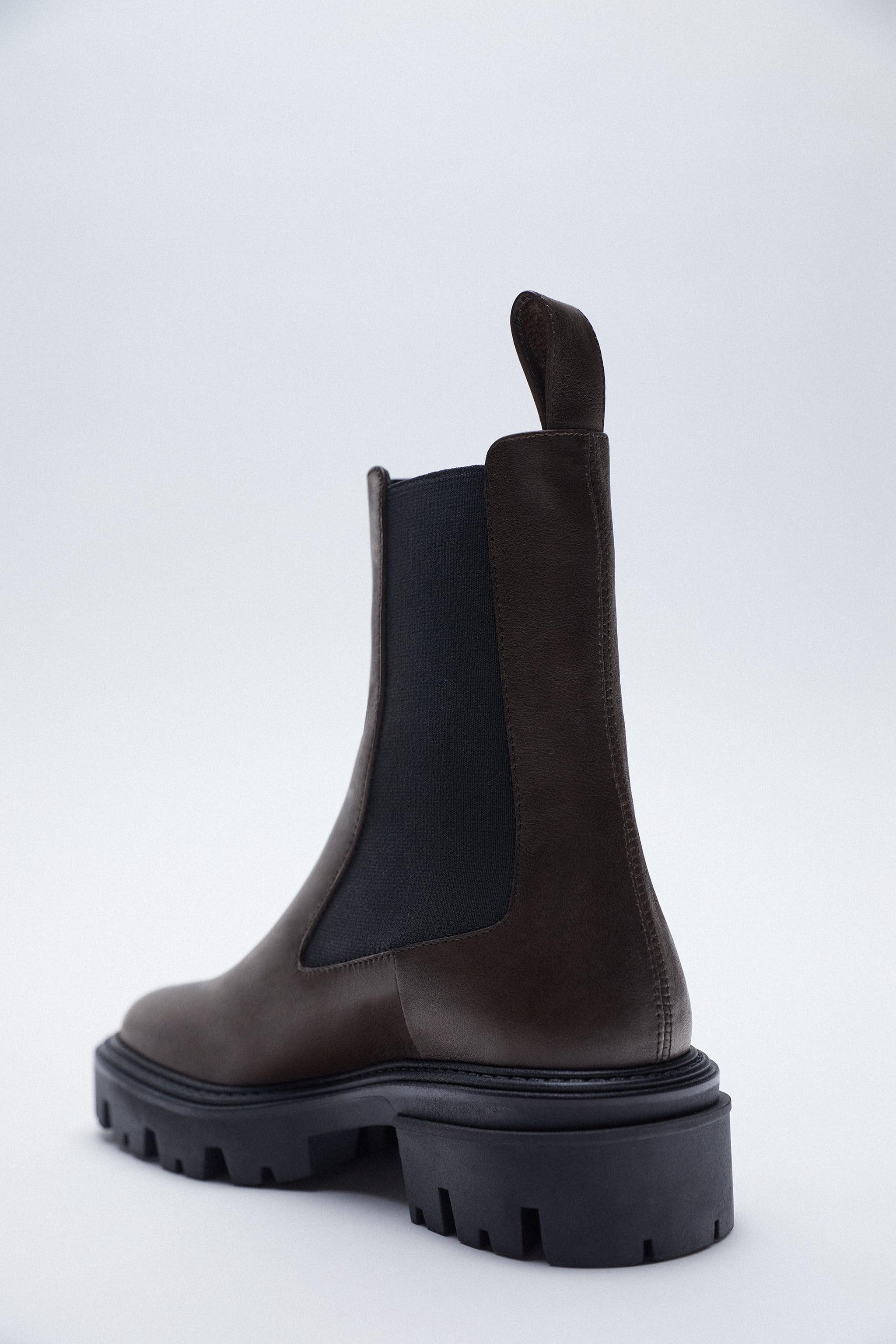 LOW HEEL LEATHER ANKLE BOOTS WITH ELASTIC GORING 2
