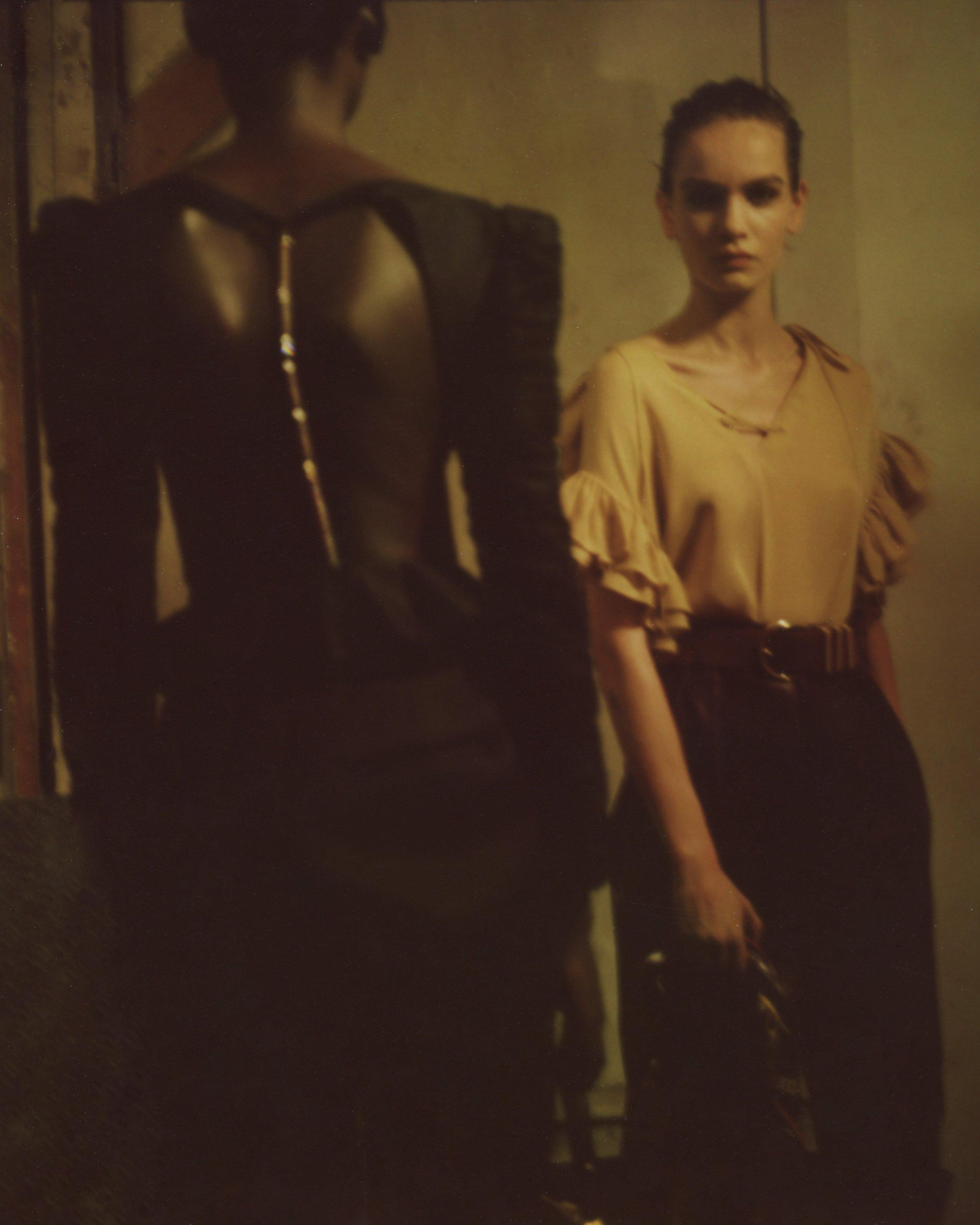 The Rosy Top in Black 10