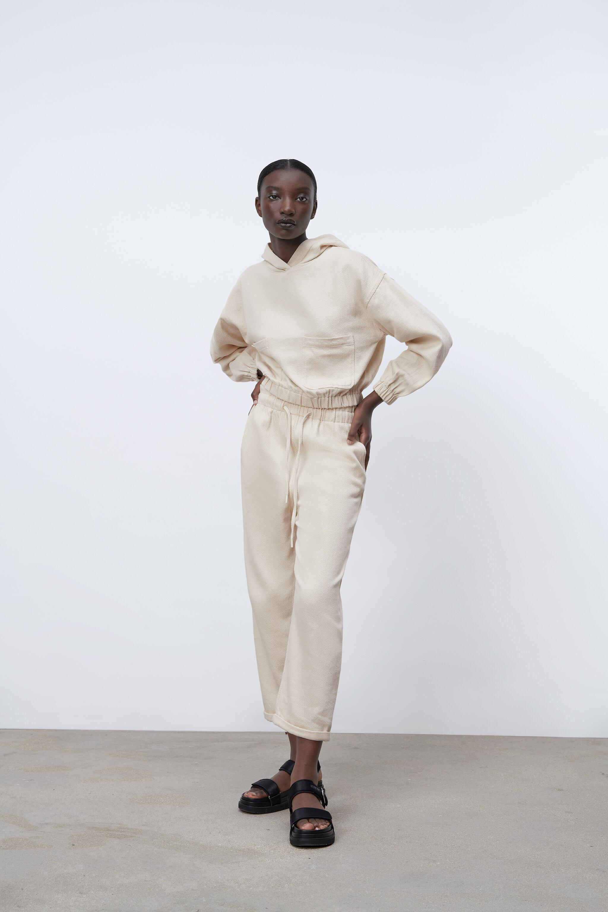 HOODED TWILL TOP