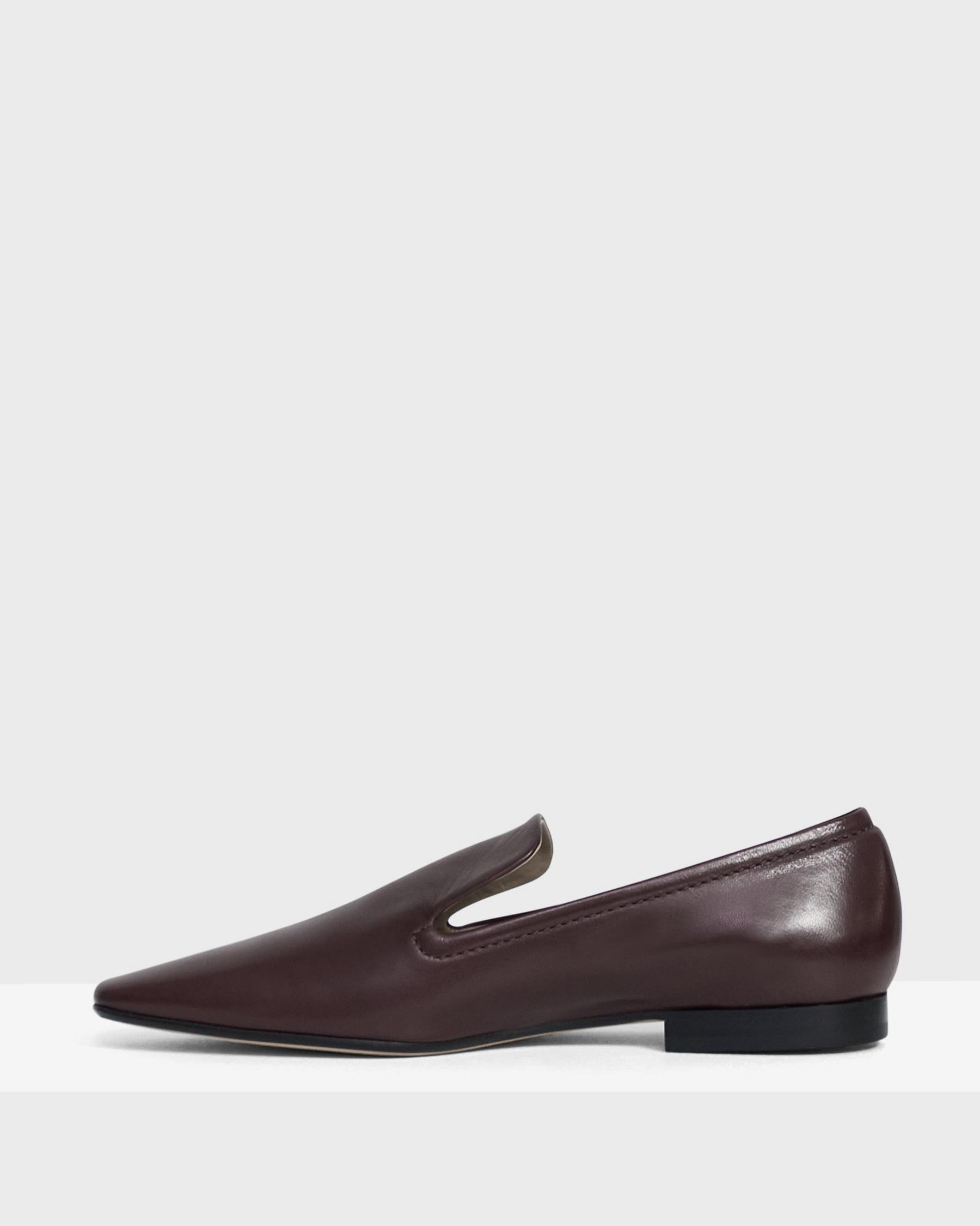 Pointed Loafer in Leather 2